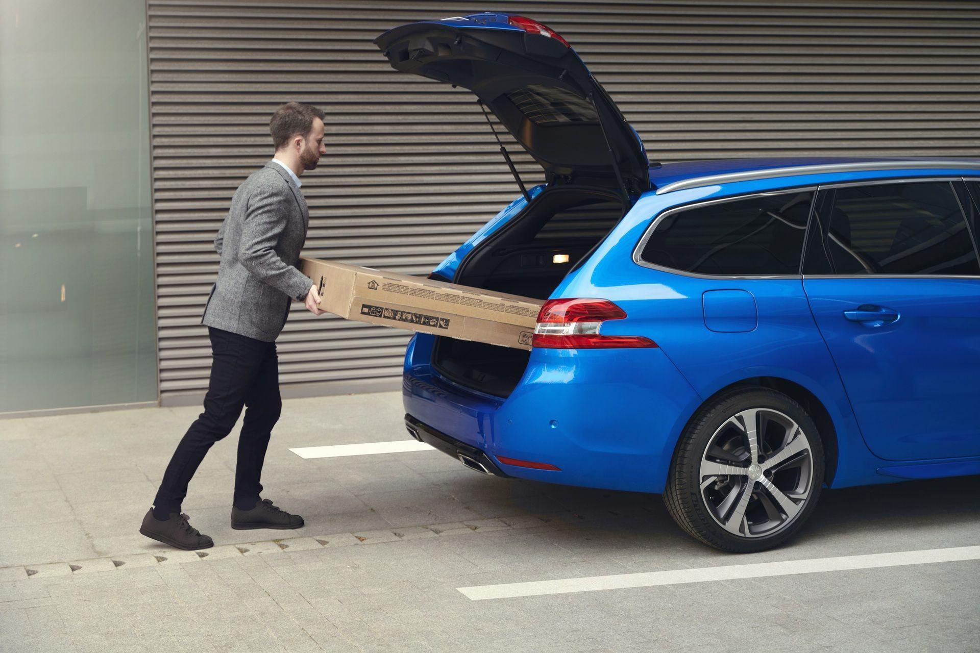 2020_Peugeot_308_facelift_0022