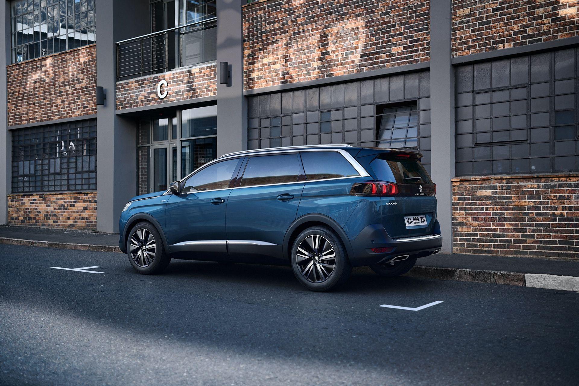 Peugeot_5008_facelift_0000