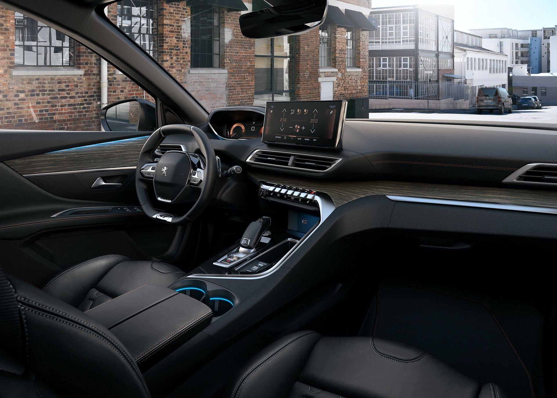 Peugeot_5008_facelift_0011