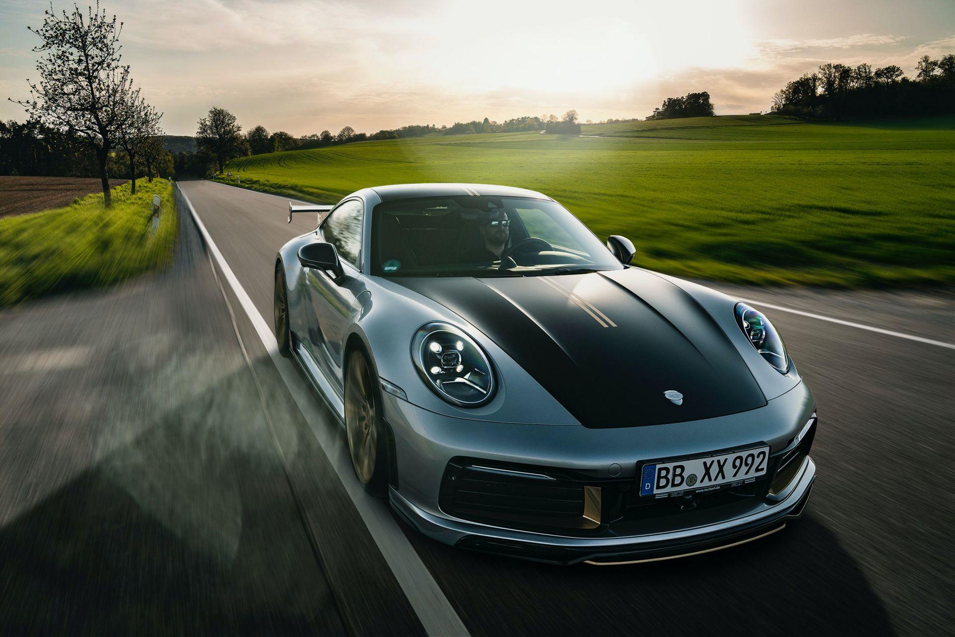 2020_Porsche_911_by_TechArt_0005