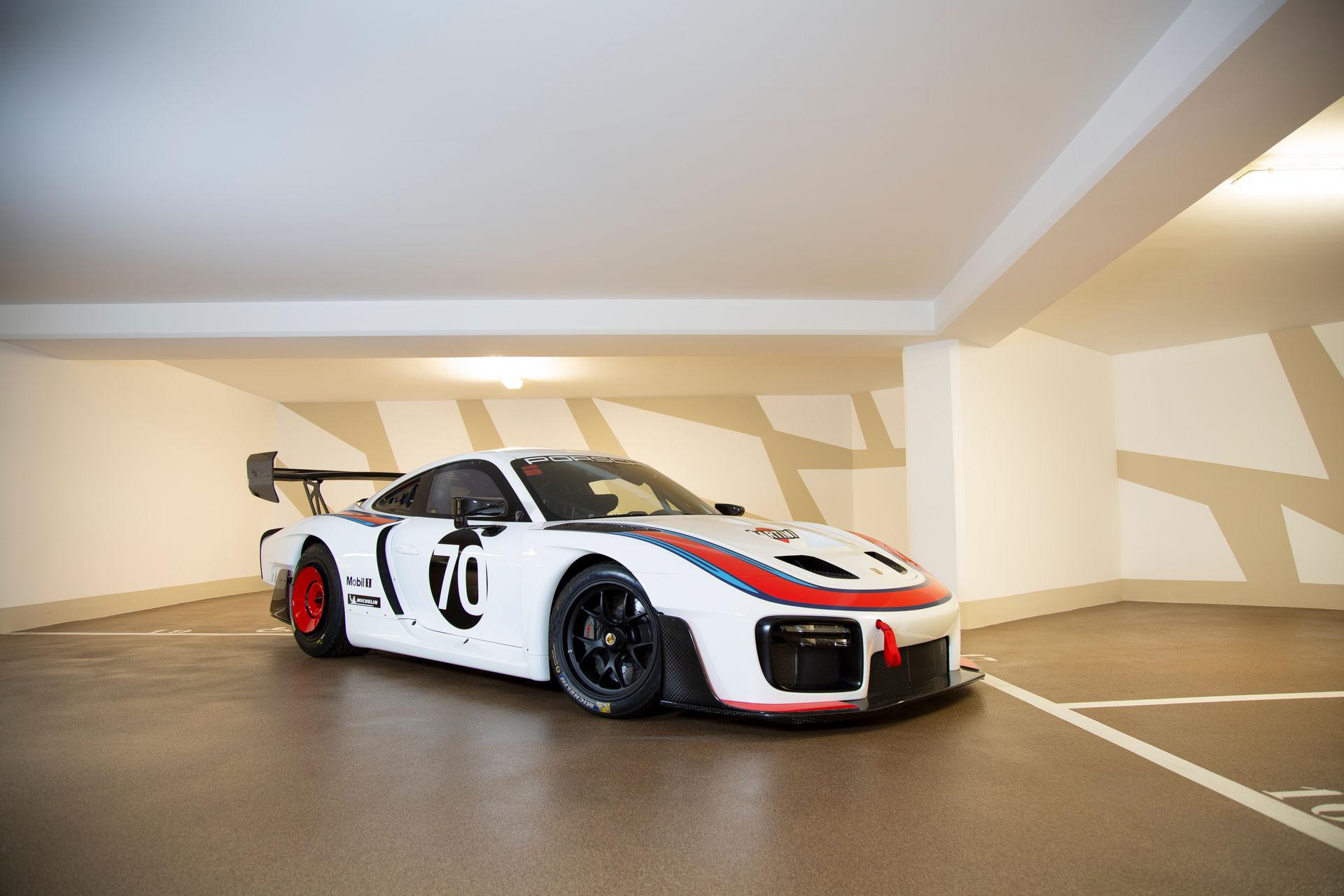 2020_Porsche_935_Martini_Livery_sale_0000