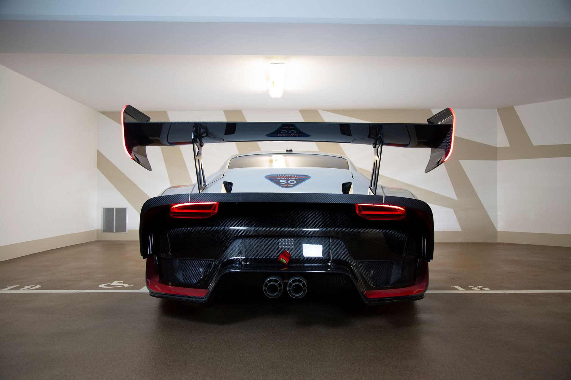 2020_Porsche_935_Martini_Livery_sale_0008