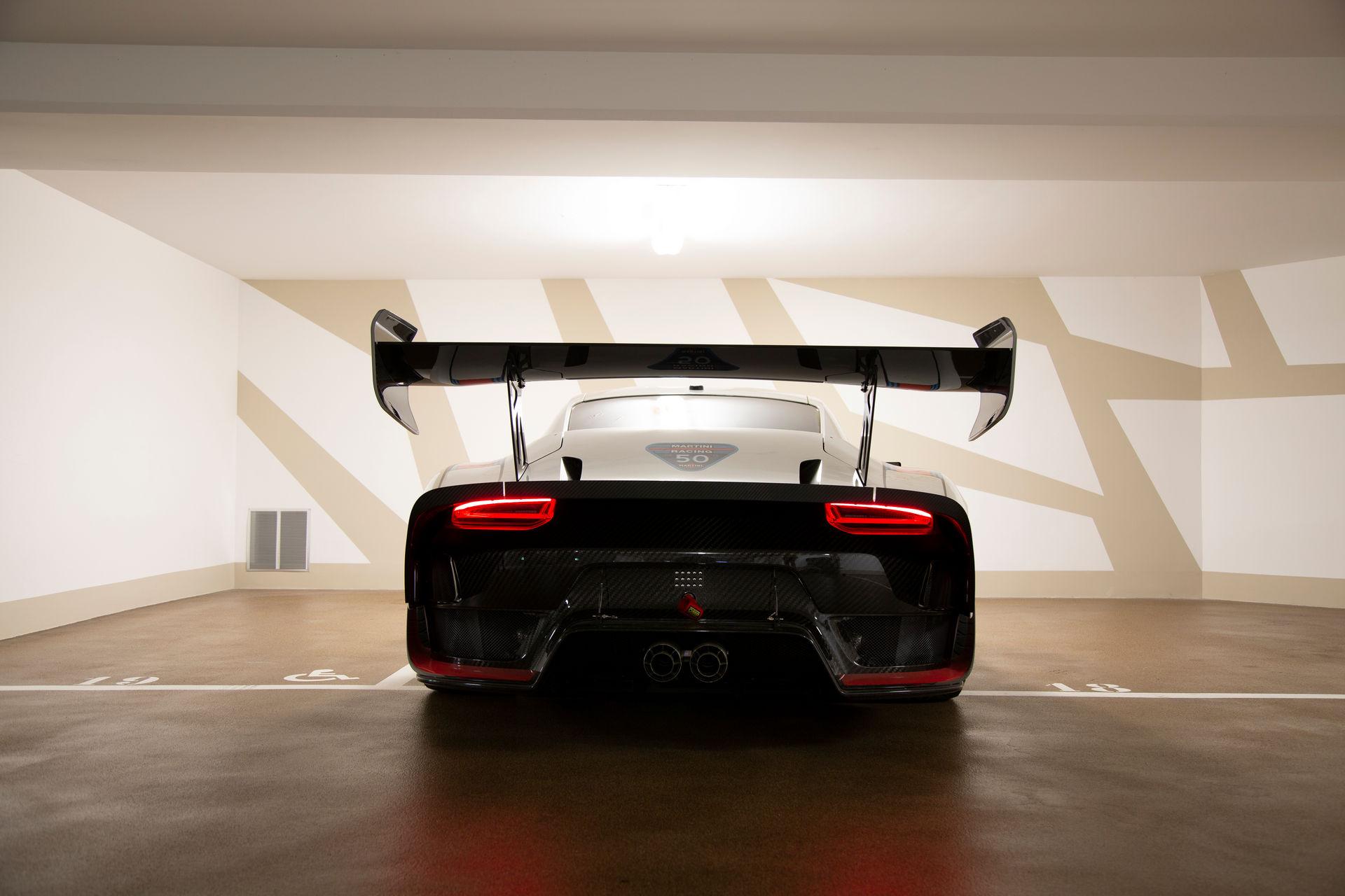2020_Porsche_935_Martini_Livery_sale_0020
