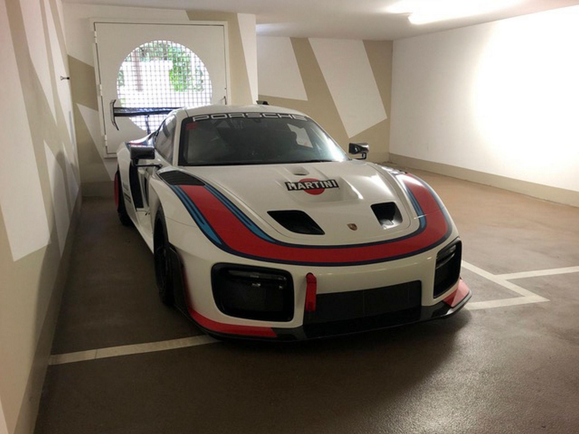 2020_Porsche_935_Martini_Livery_sale_0023