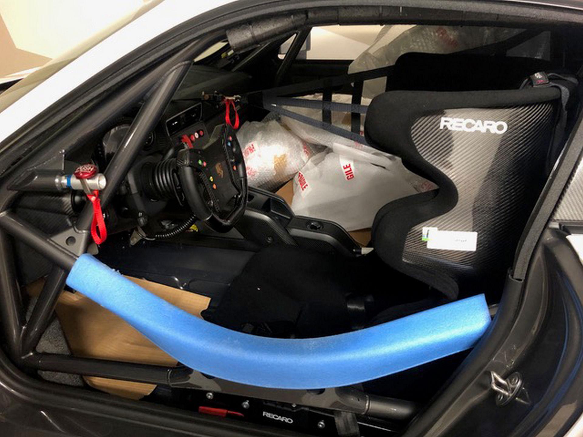 2020_Porsche_935_Martini_Livery_sale_0026