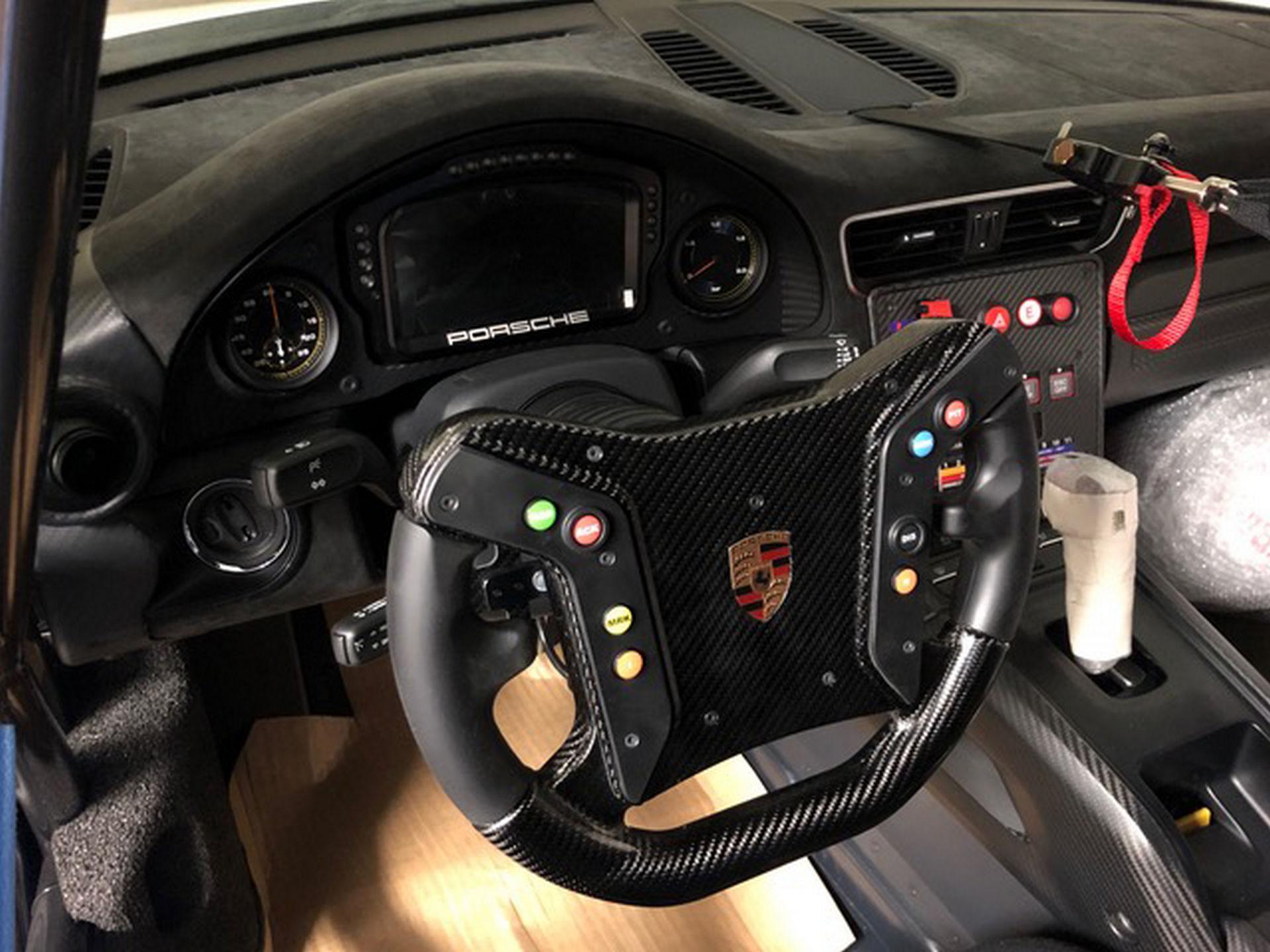 2020_Porsche_935_Martini_Livery_sale_0027