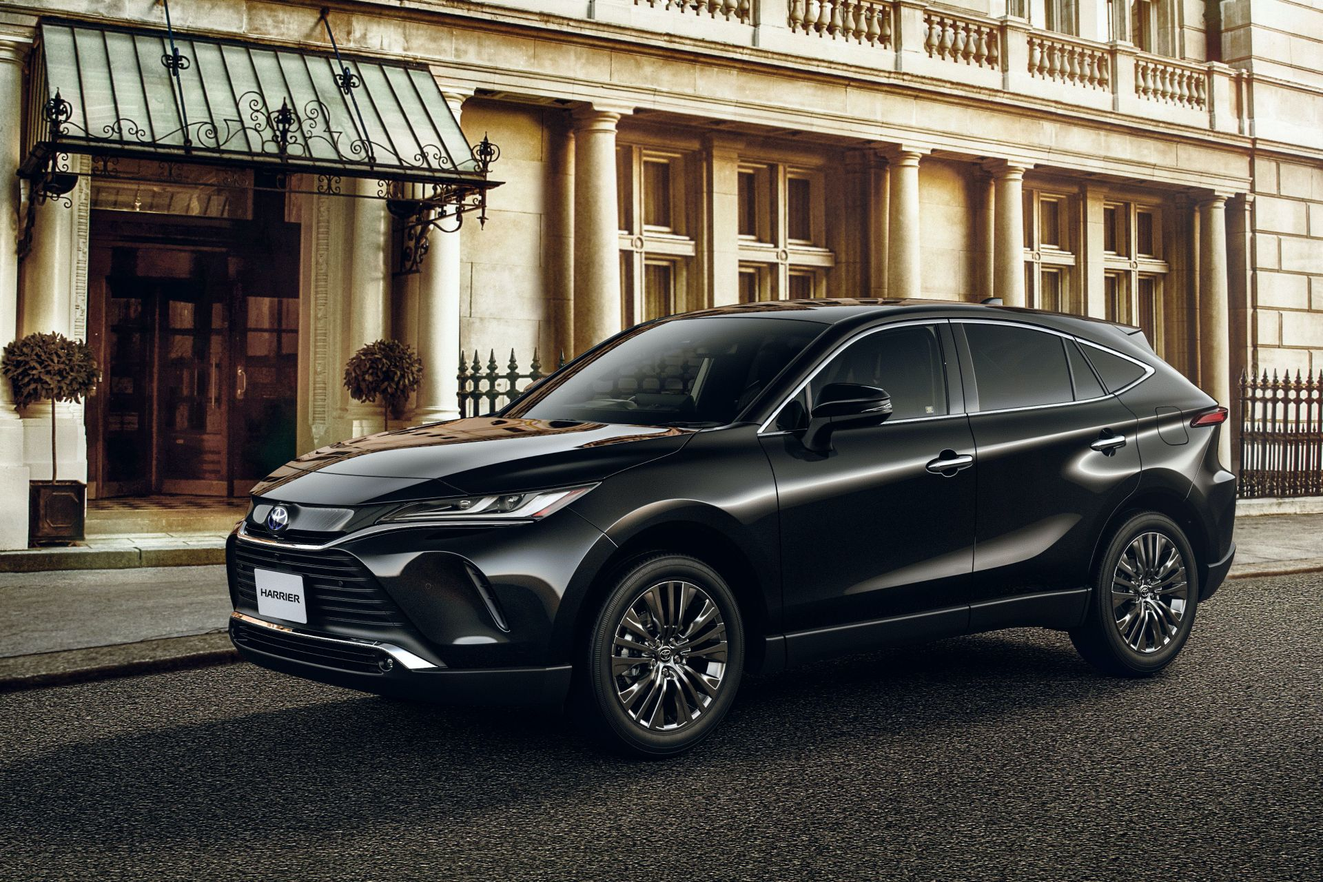 2020_Toyota_Harrier_0000