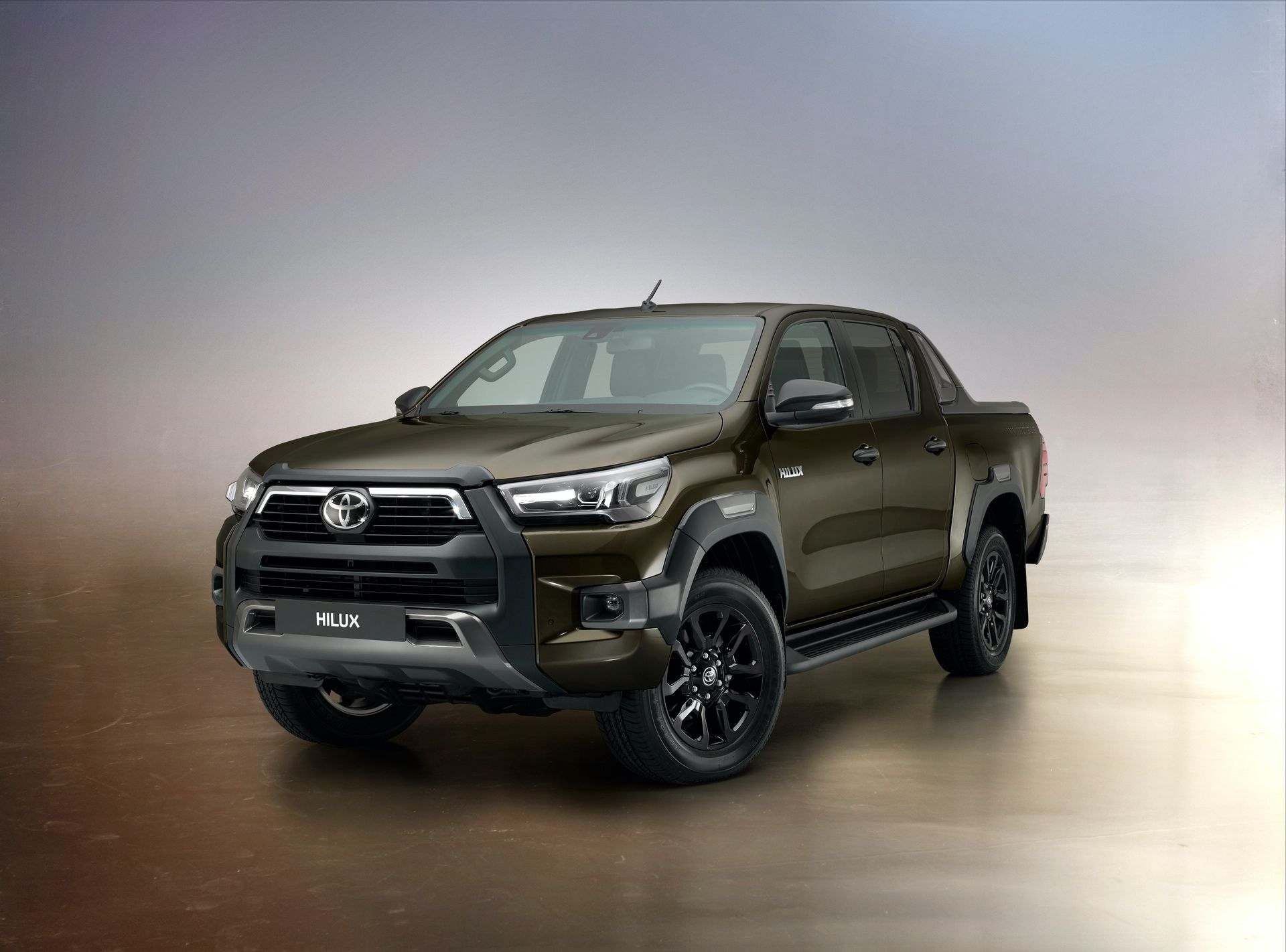 2020_Toyota_Hilux_0018