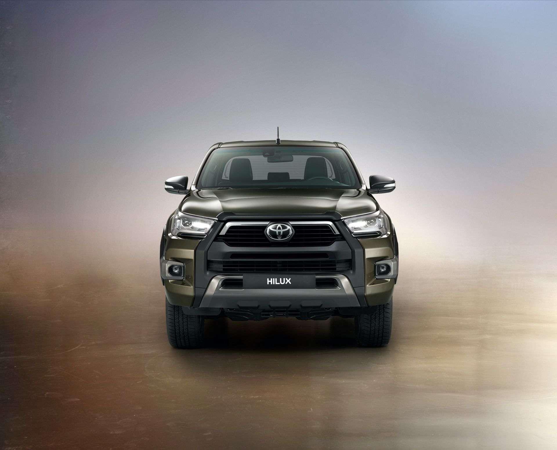 2020_Toyota_Hilux_0020