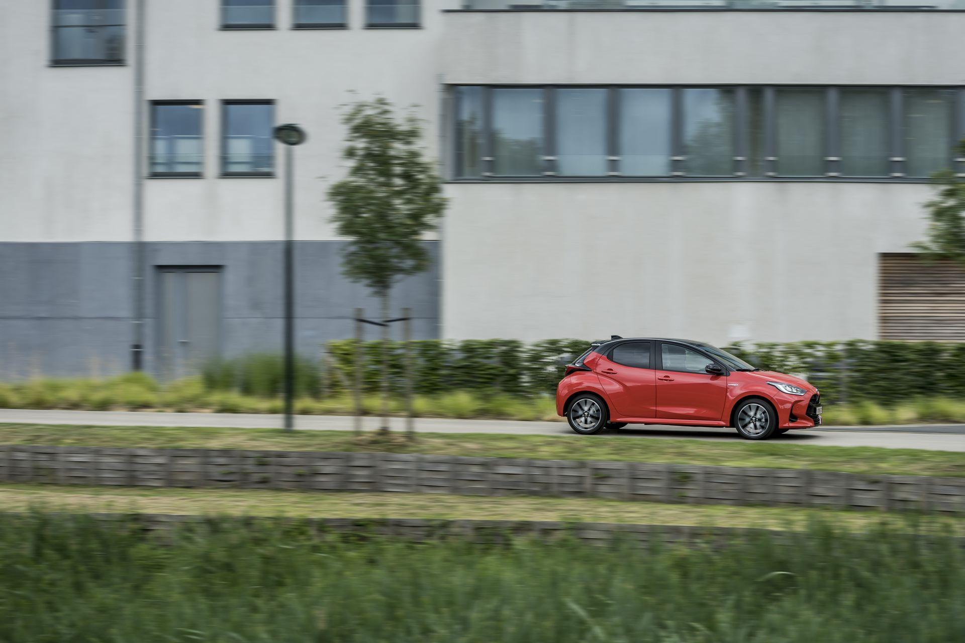 Toyota-Yaris-2020-29