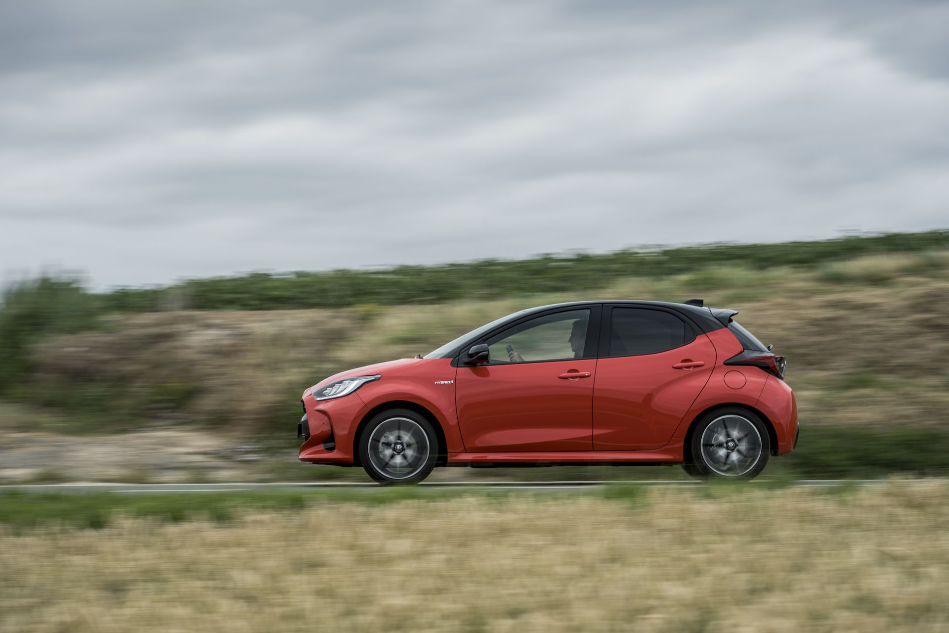 Toyota-Yaris-2020-6