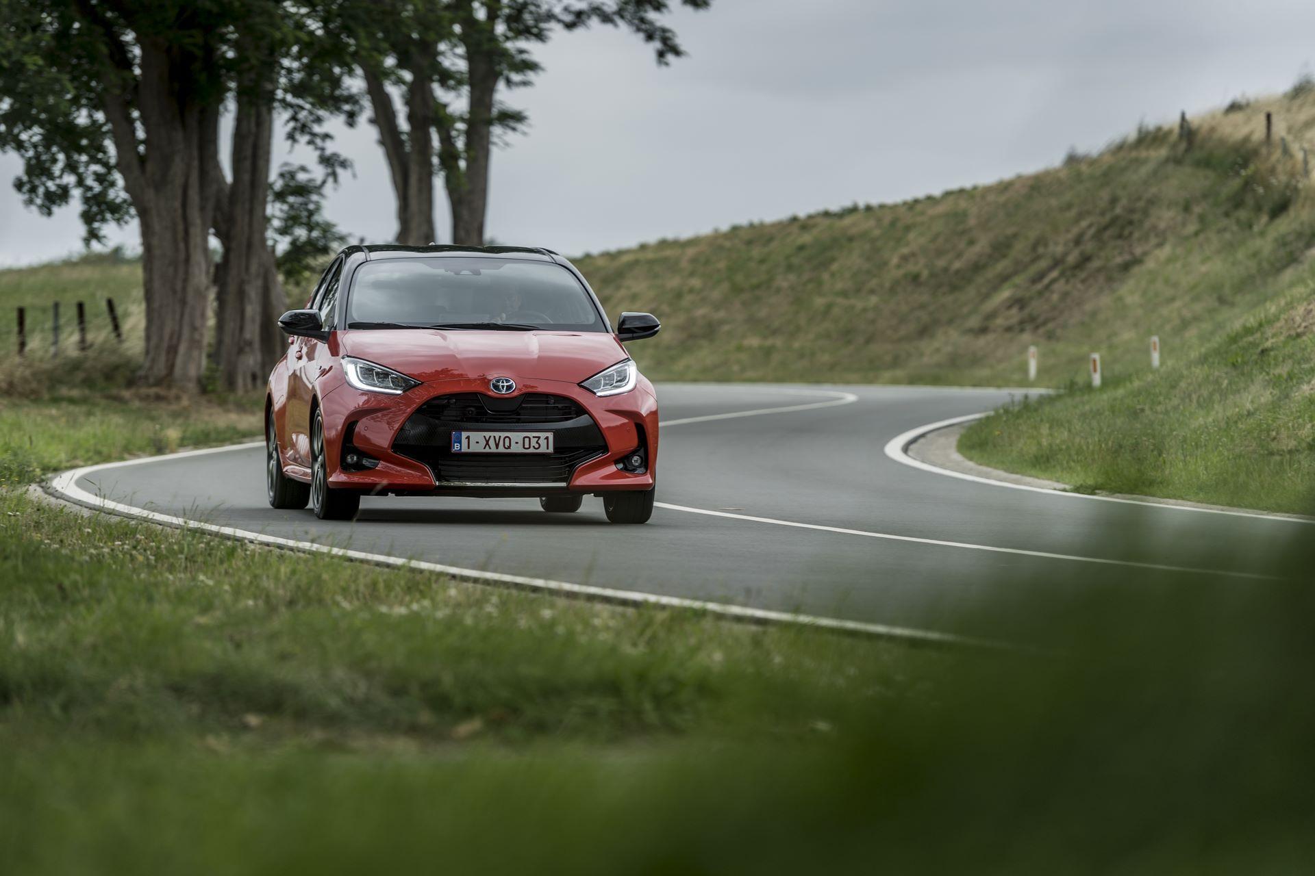 Toyota-Yaris-2020-65