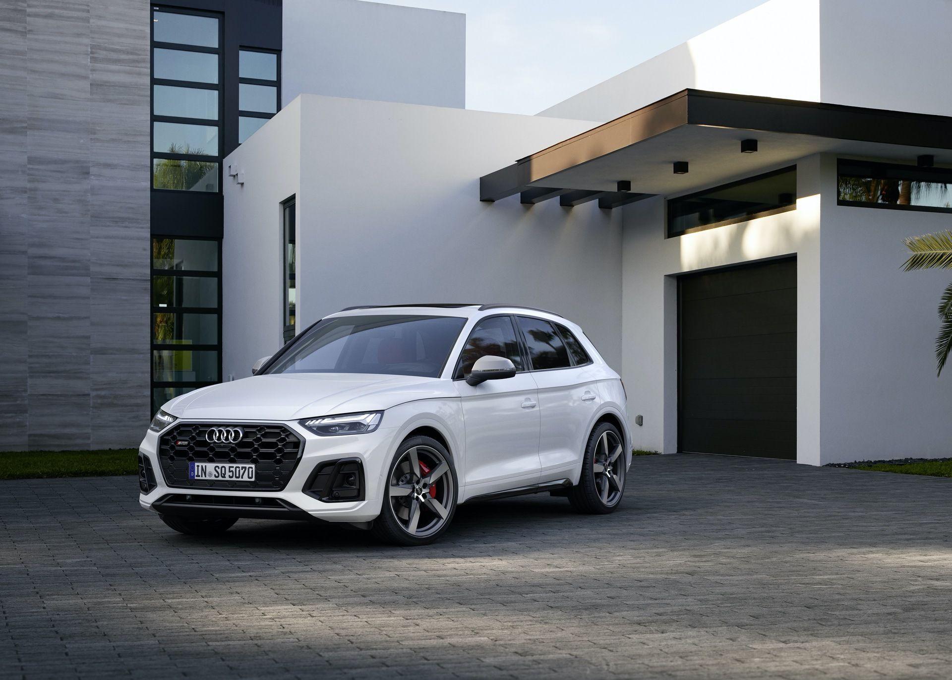 2021_Audi_SQ5_facelift_0000
