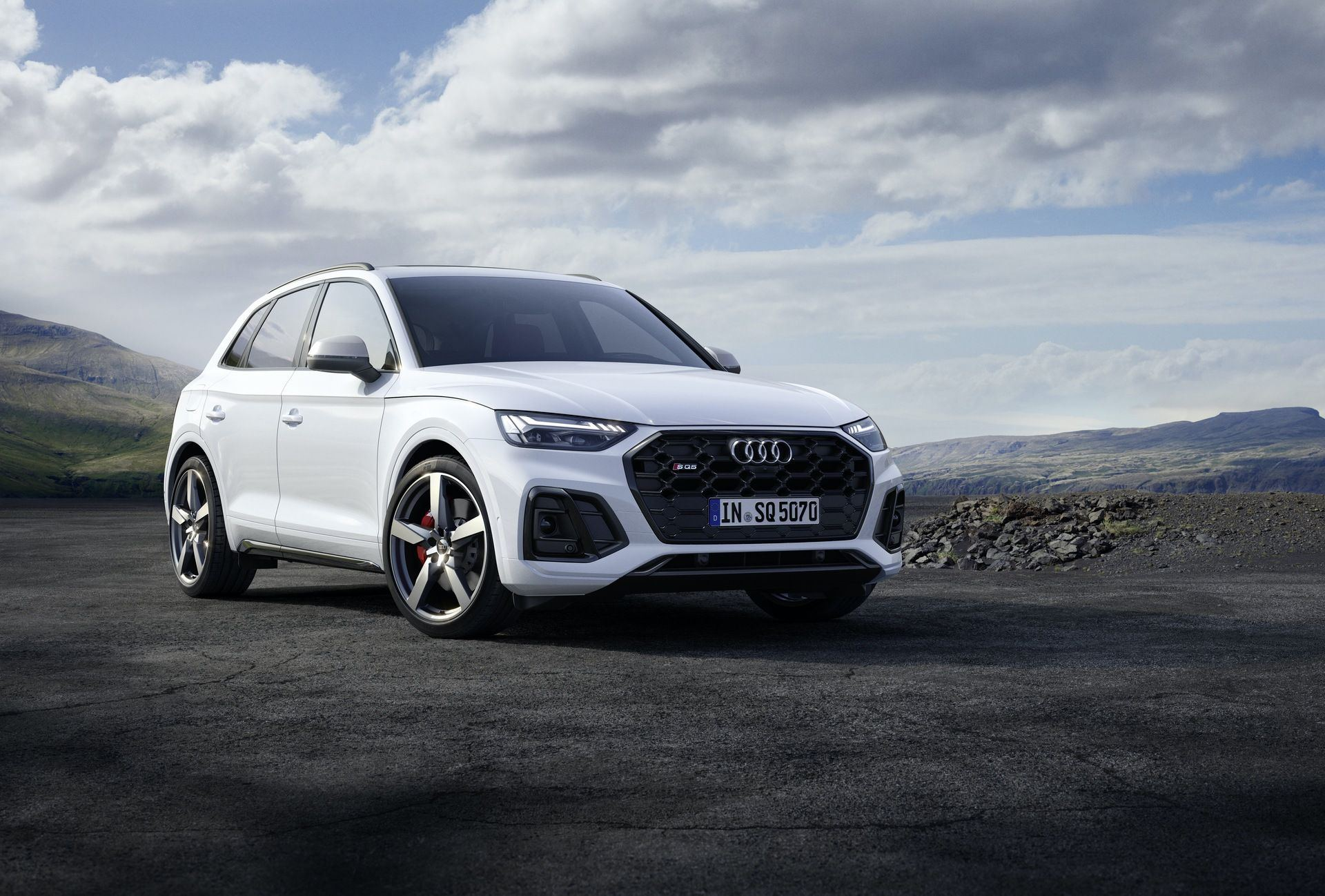 2021_Audi_SQ5_facelift_0001