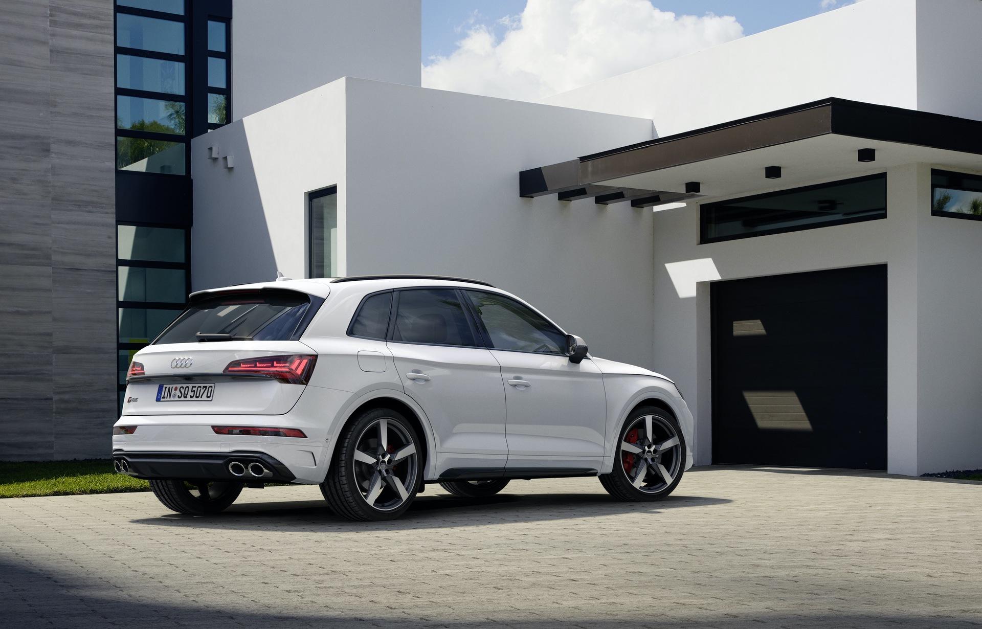 2021_Audi_SQ5_facelift_0011