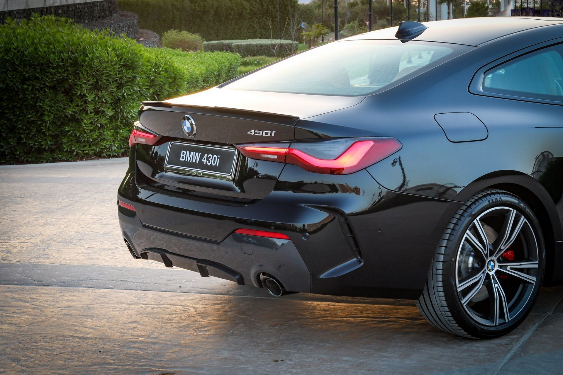 2021_BMW_4-Series_Coupe_Dark_Edition_UAE_0013