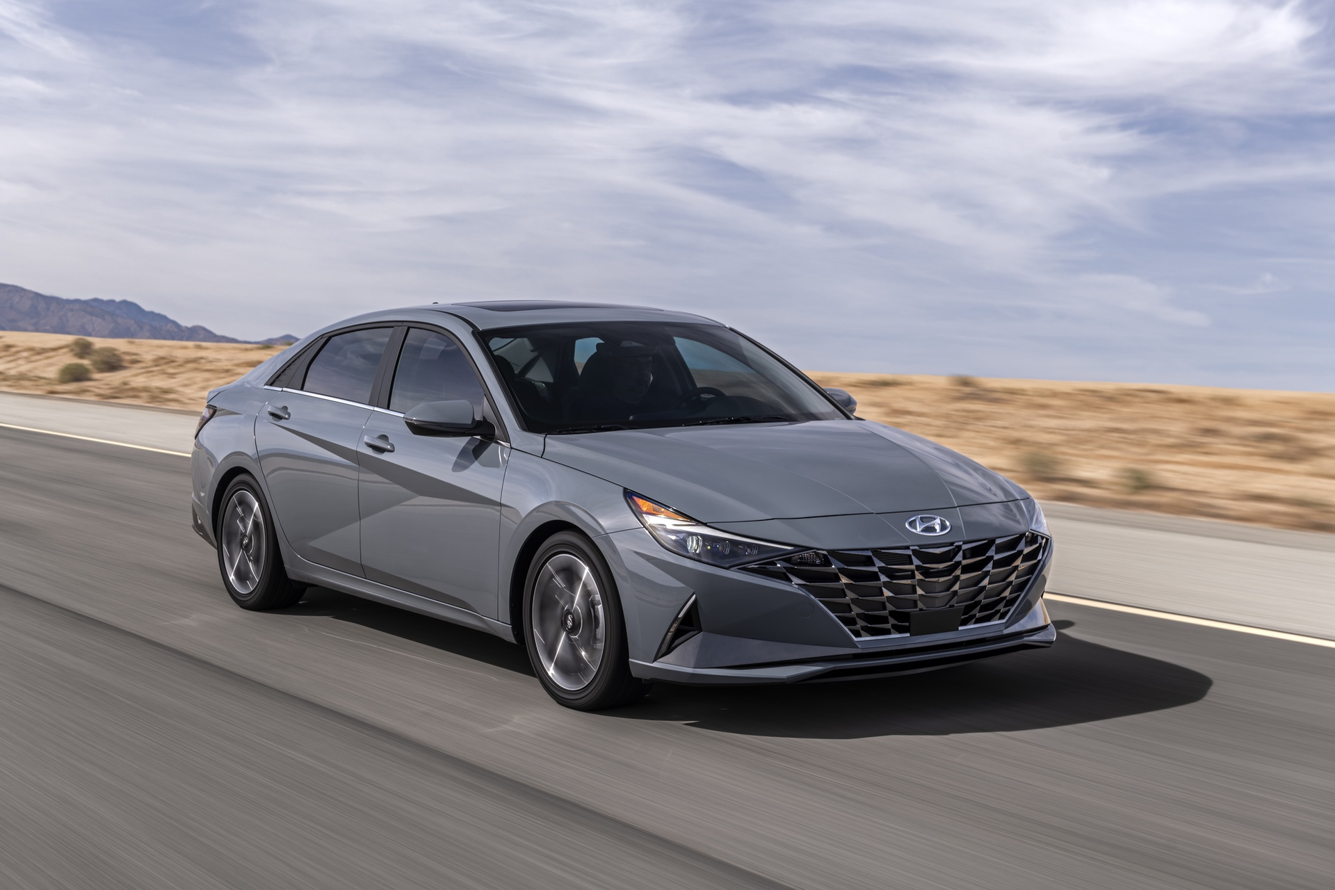 2021_Hyundai_Elantra_Hybrid_0000