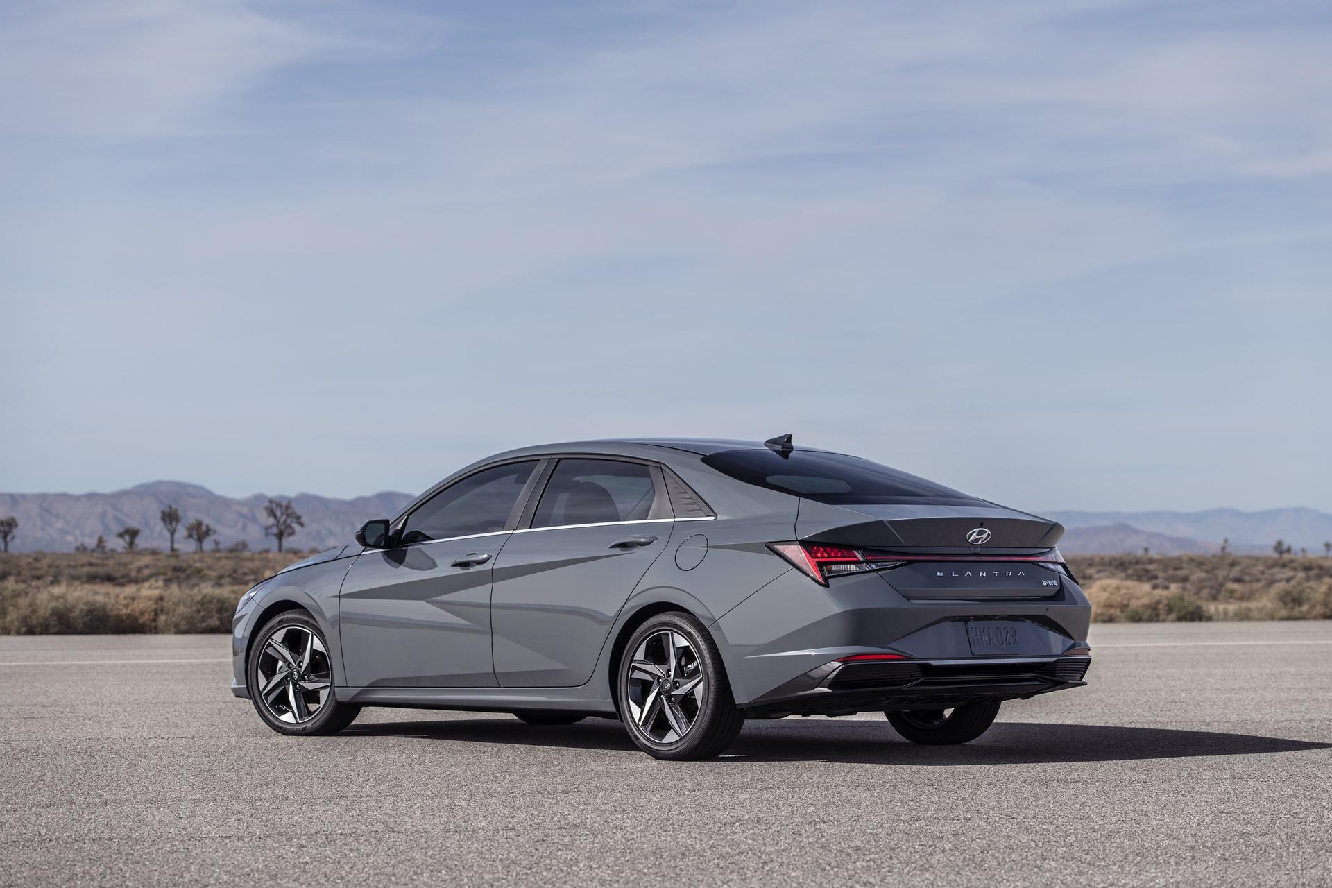 2021_Hyundai_Elantra_Hybrid_0008