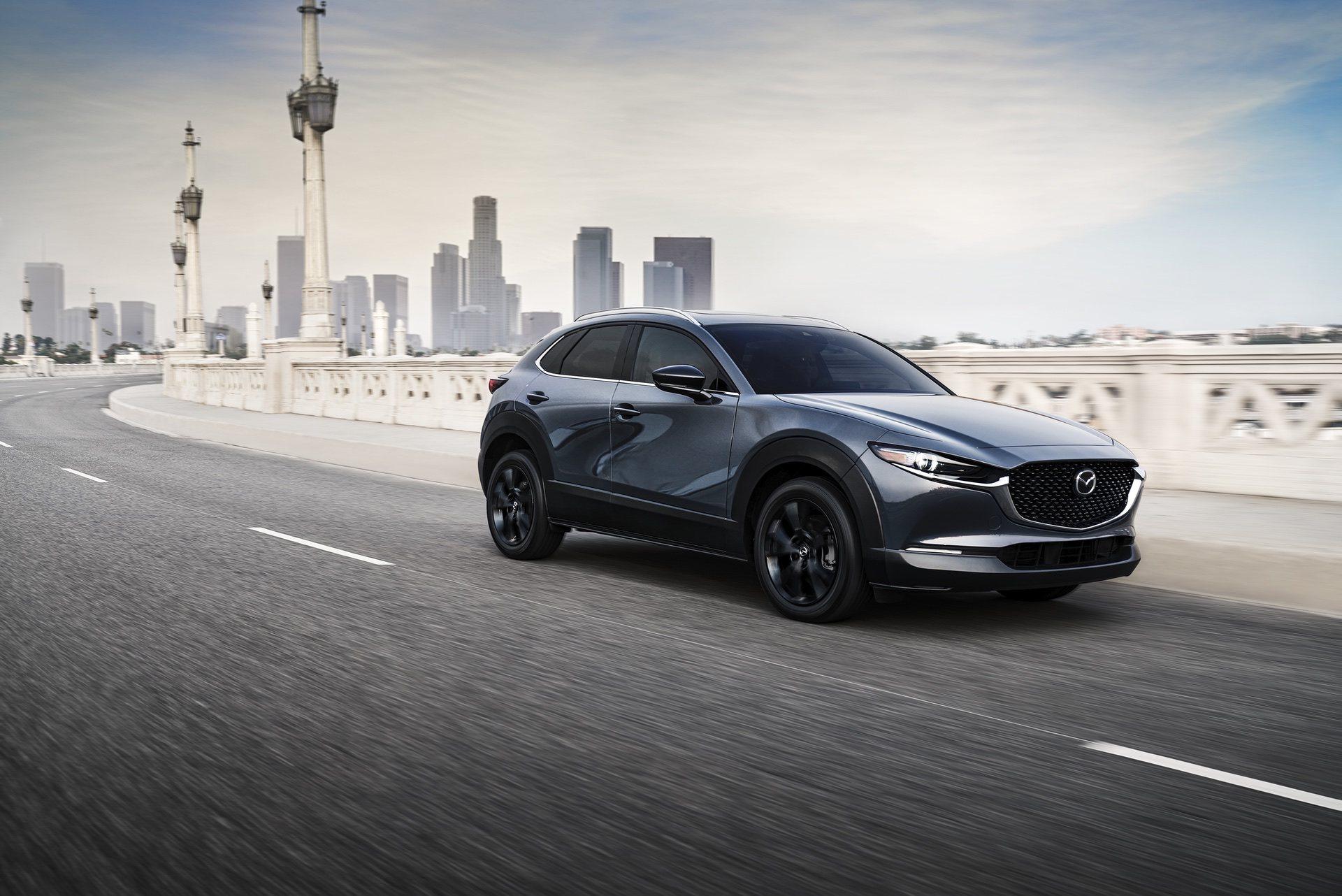2021-Mazda-CX-30-2.5-Turbo_01
