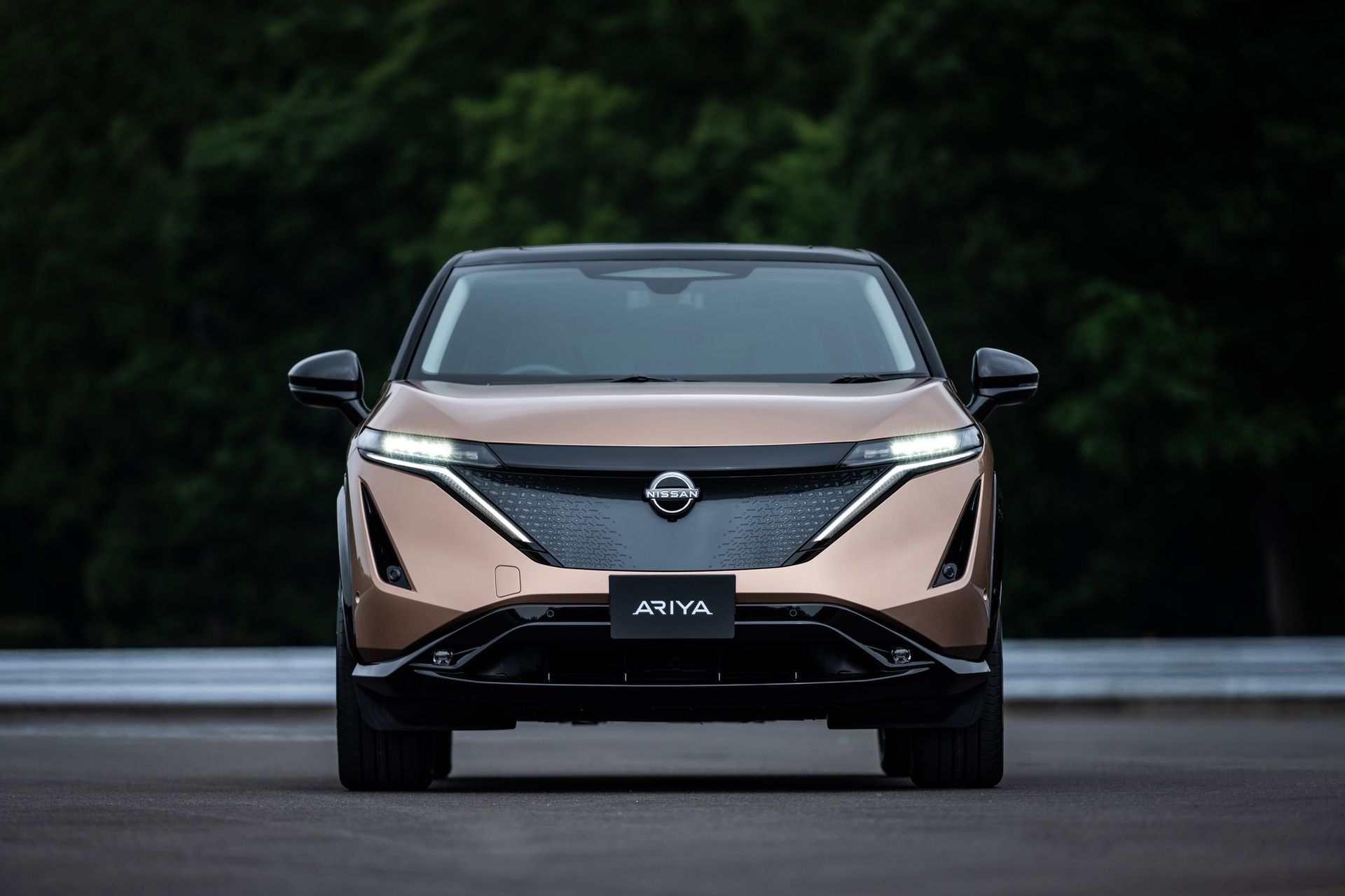 2021_Nissan_Ariya_0033