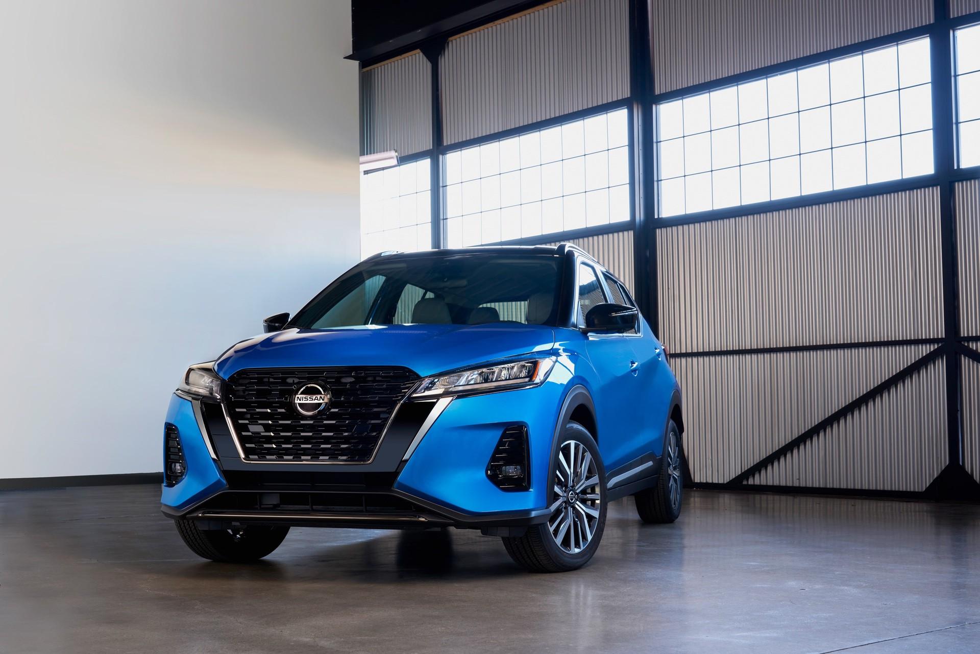2021-Nissan-Kicks-2