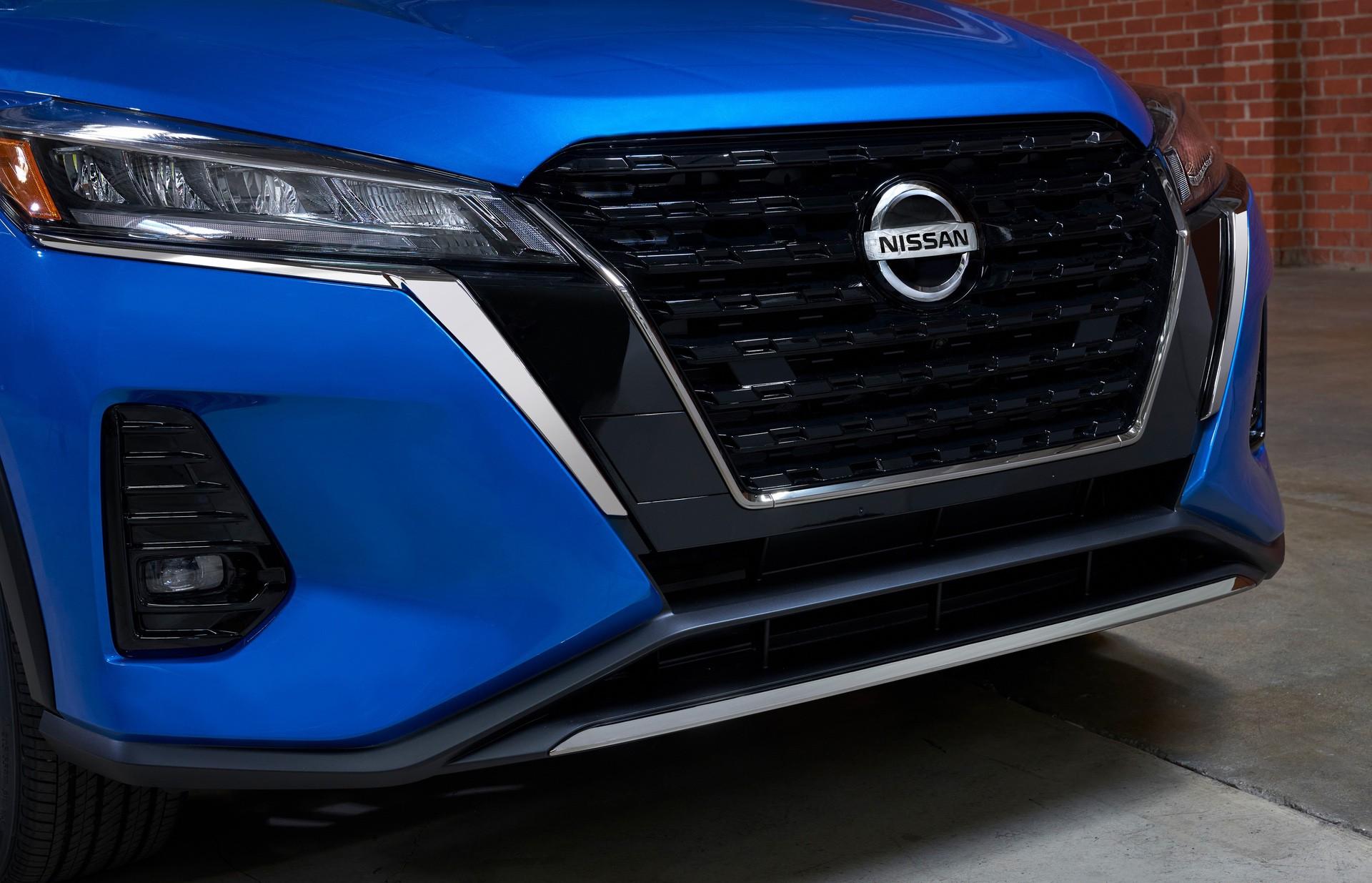2021-Nissan-Kicks-25