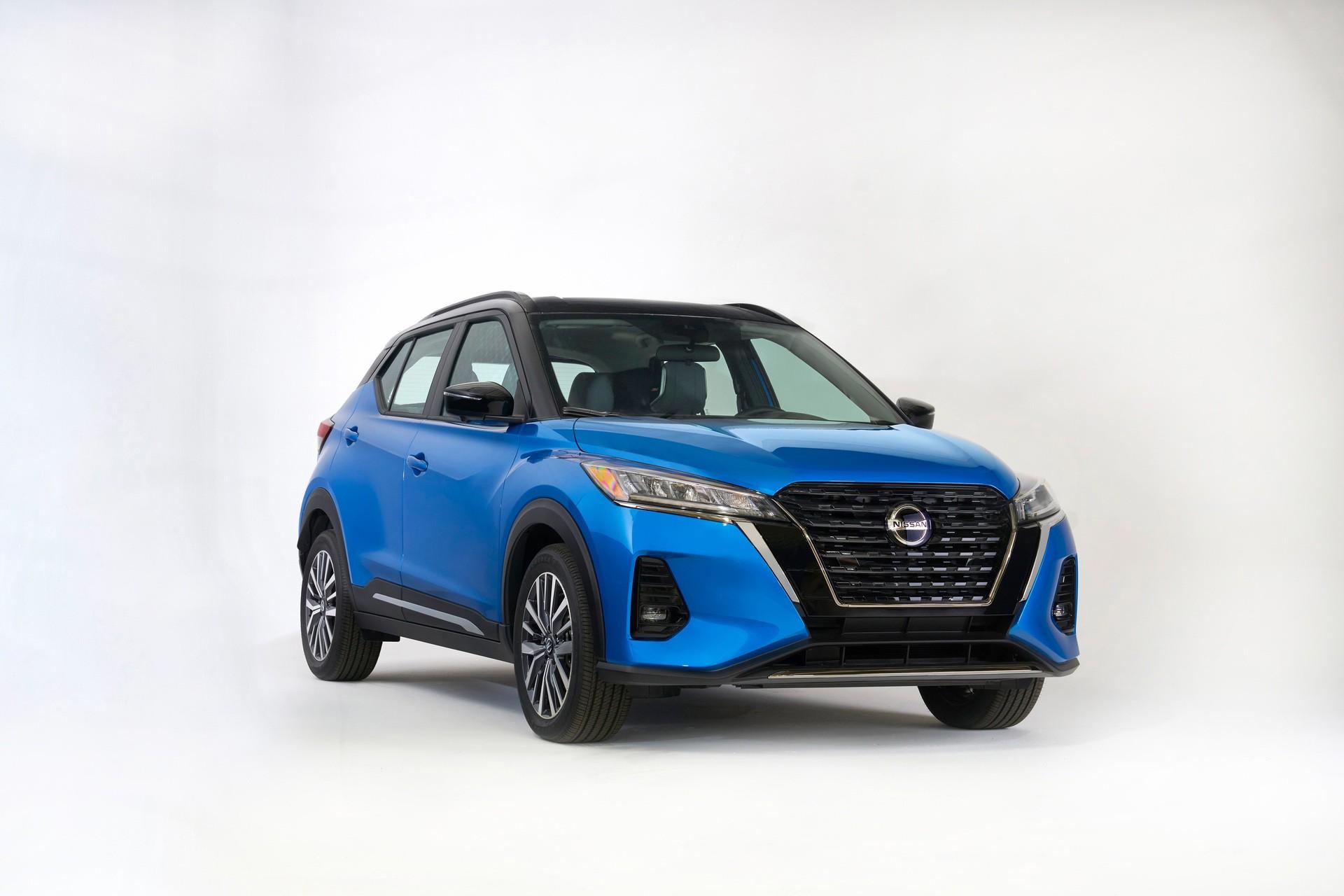2021-Nissan-Kicks-27