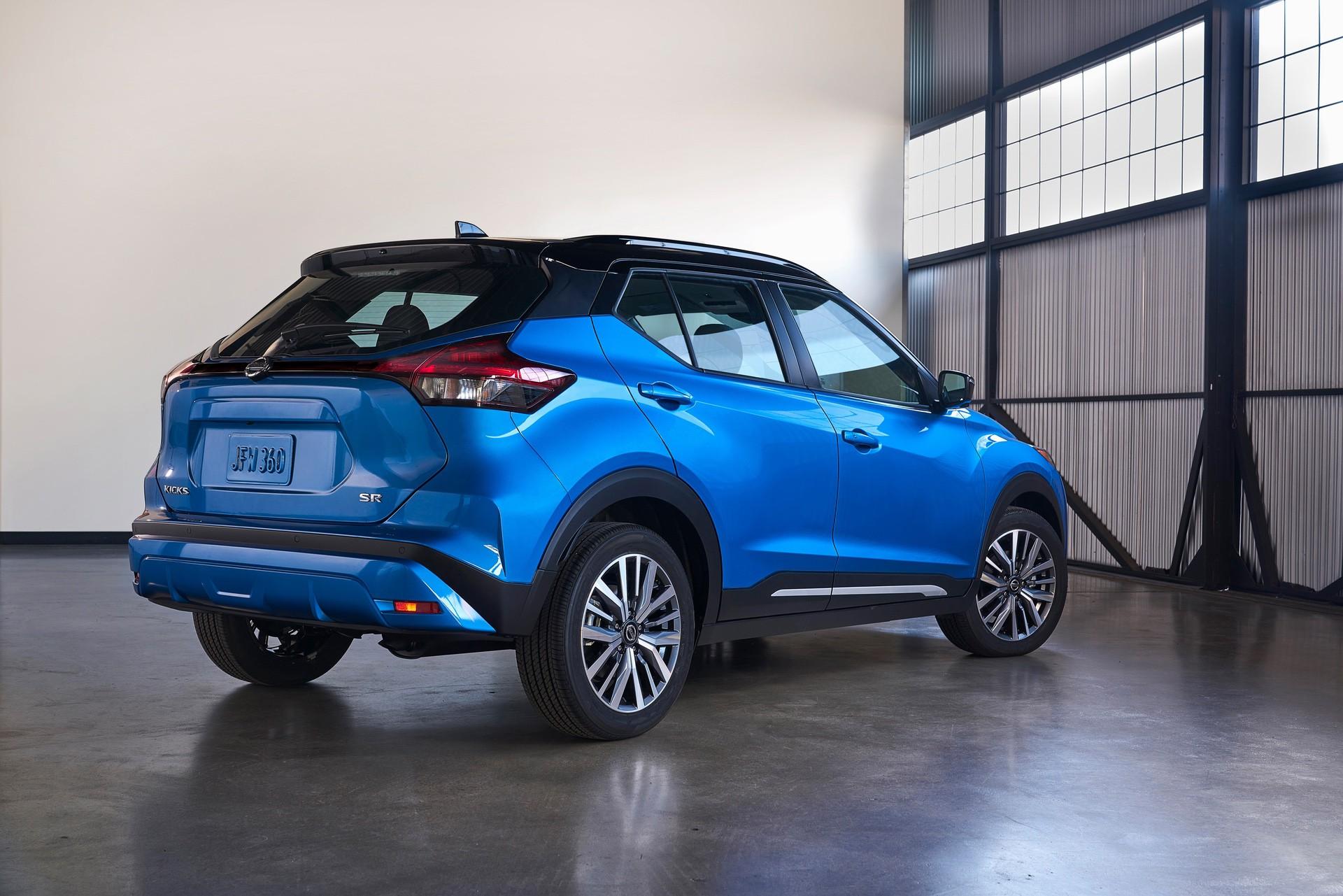 2021-Nissan-Kicks-4