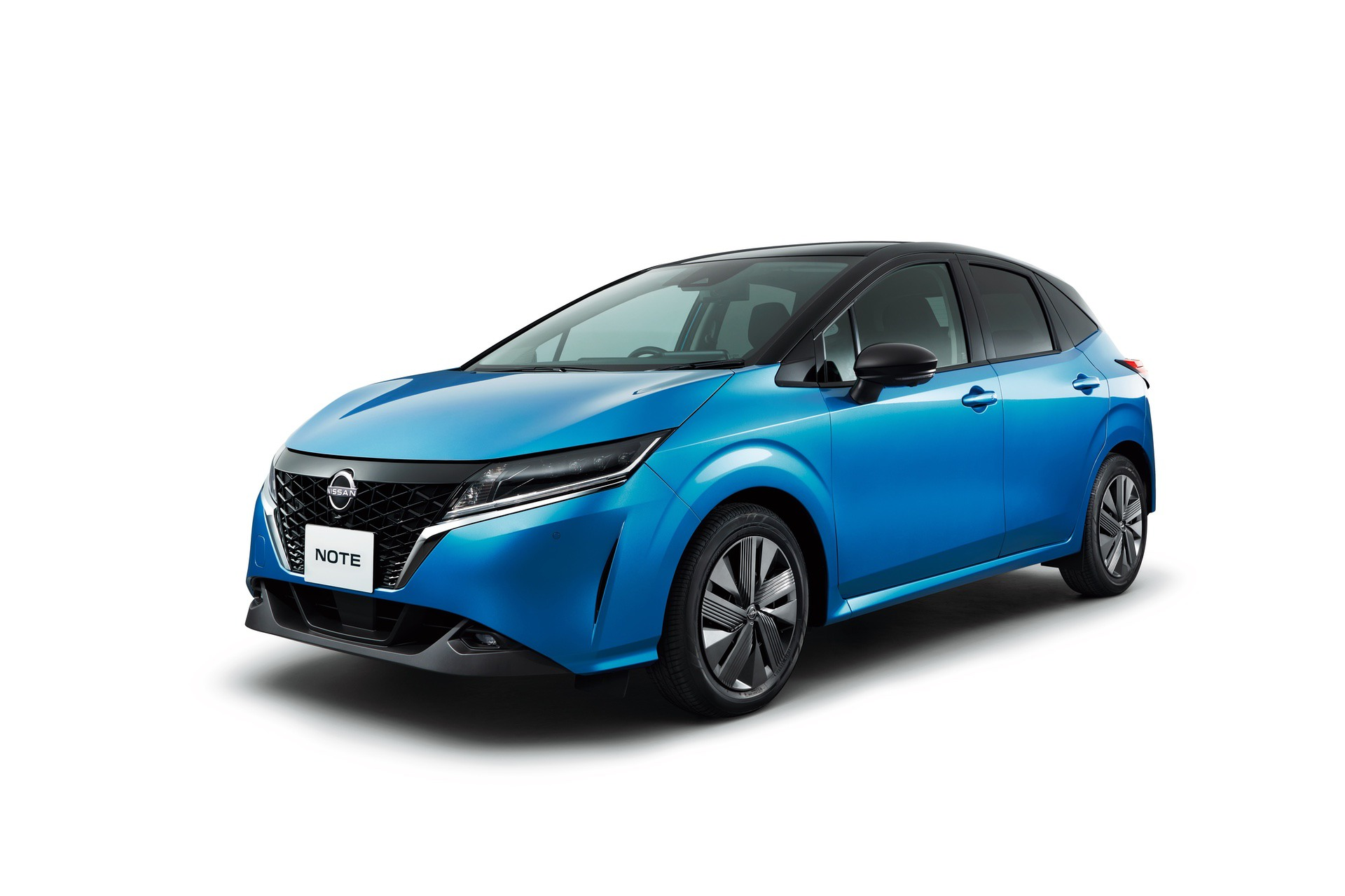 2021_Nissan_Note_0000