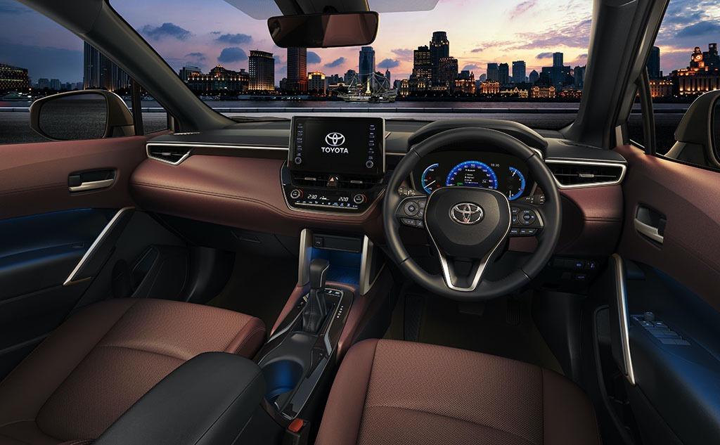 2021_Toyota_Corolla_Cross_0004