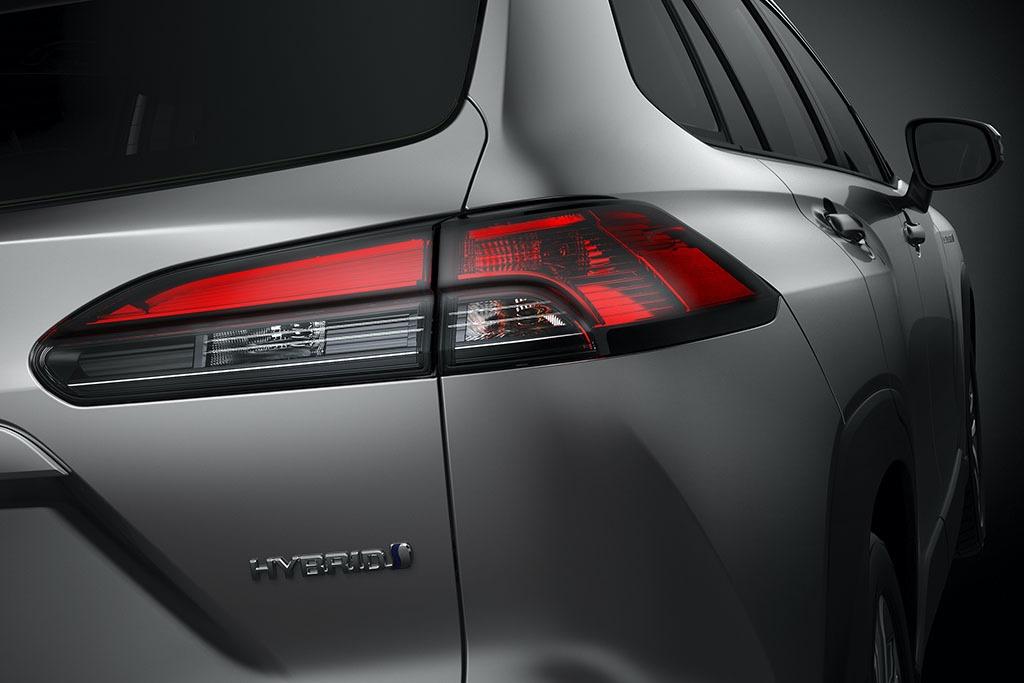 2021_Toyota_Corolla_Cross_0010