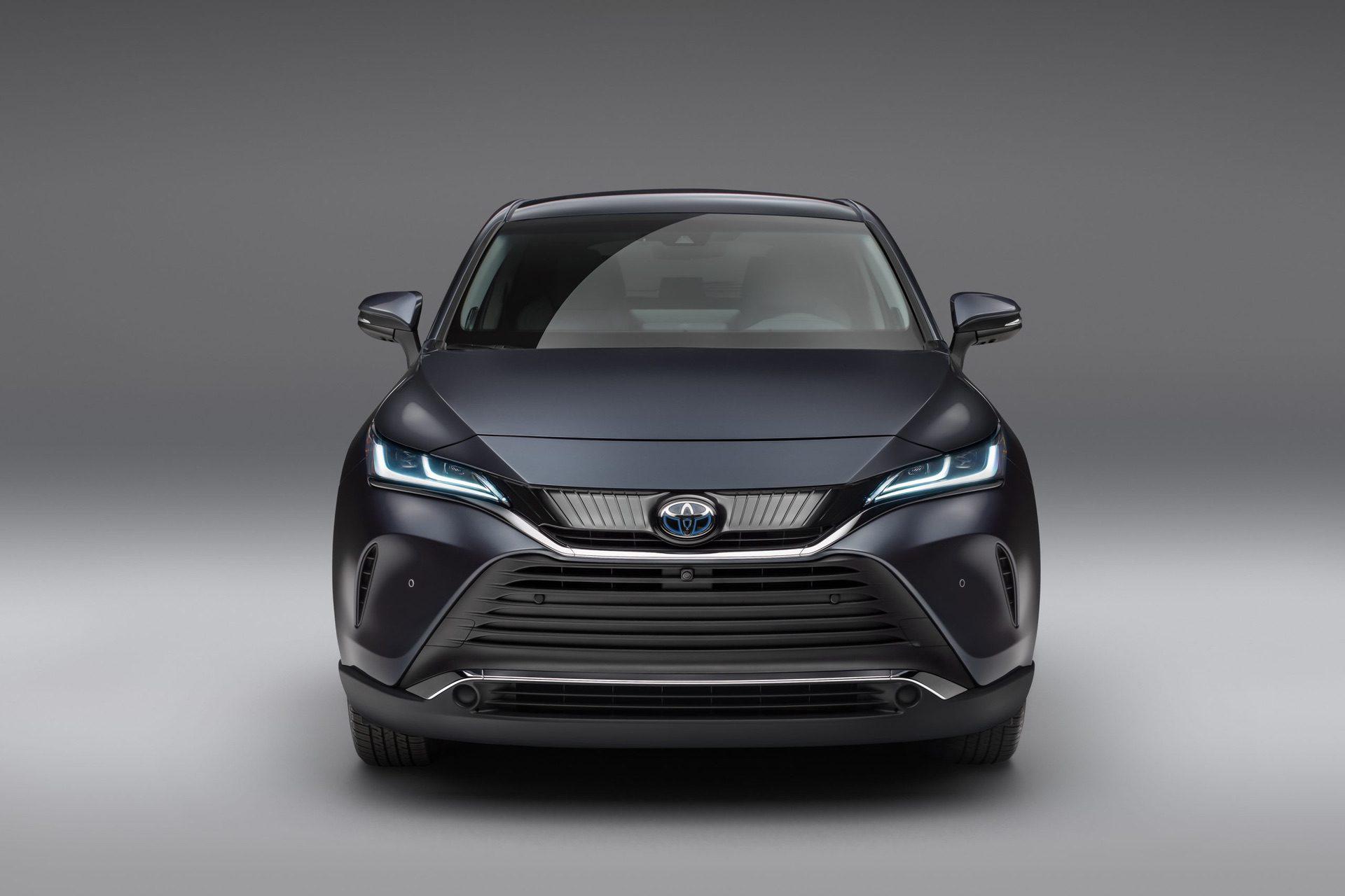 2021_Toyota_Venza_0002