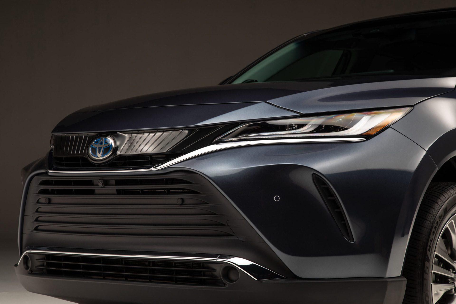 2021_Toyota_Venza_0009