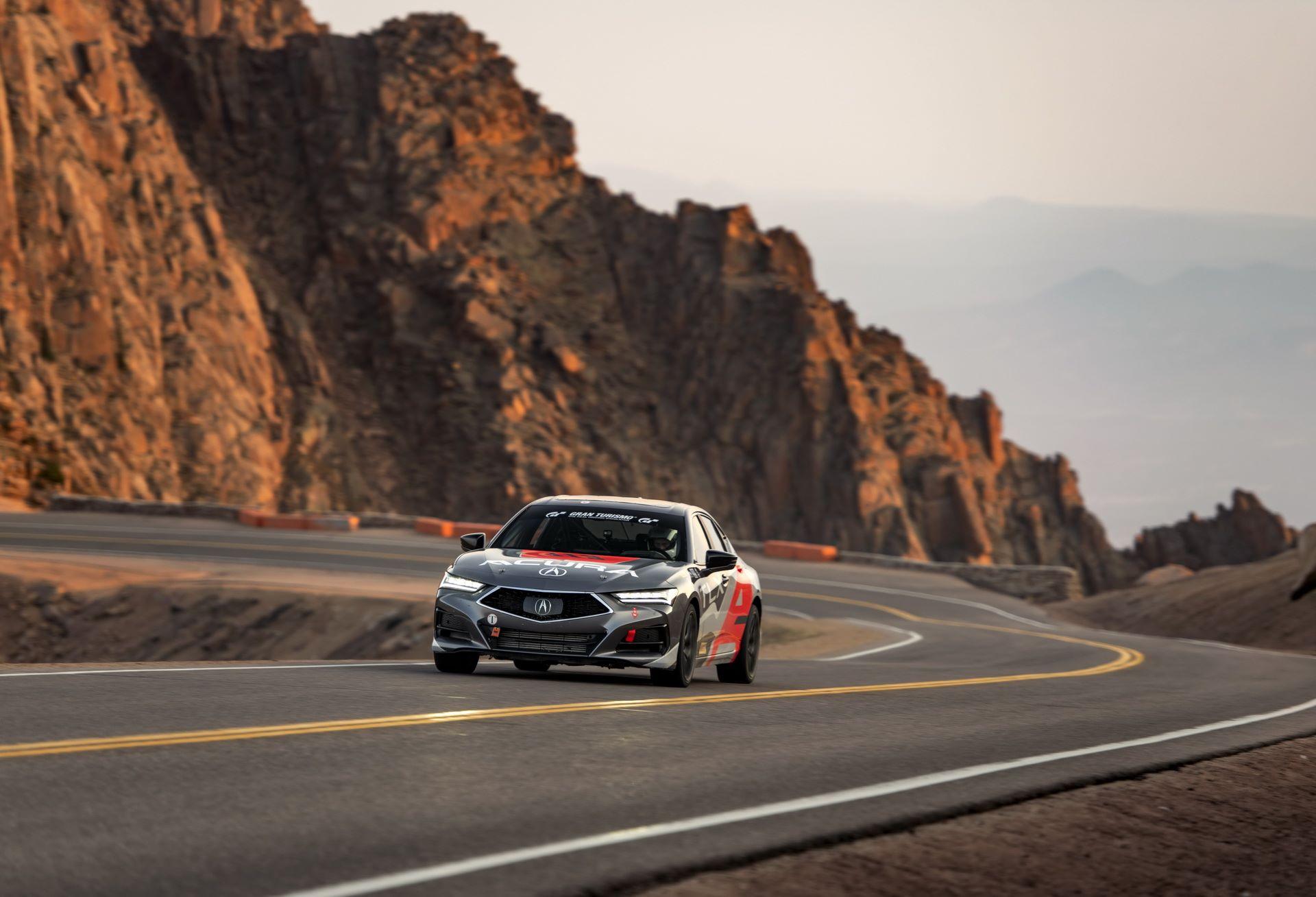 Acura-Pikes-Peak-2020-11