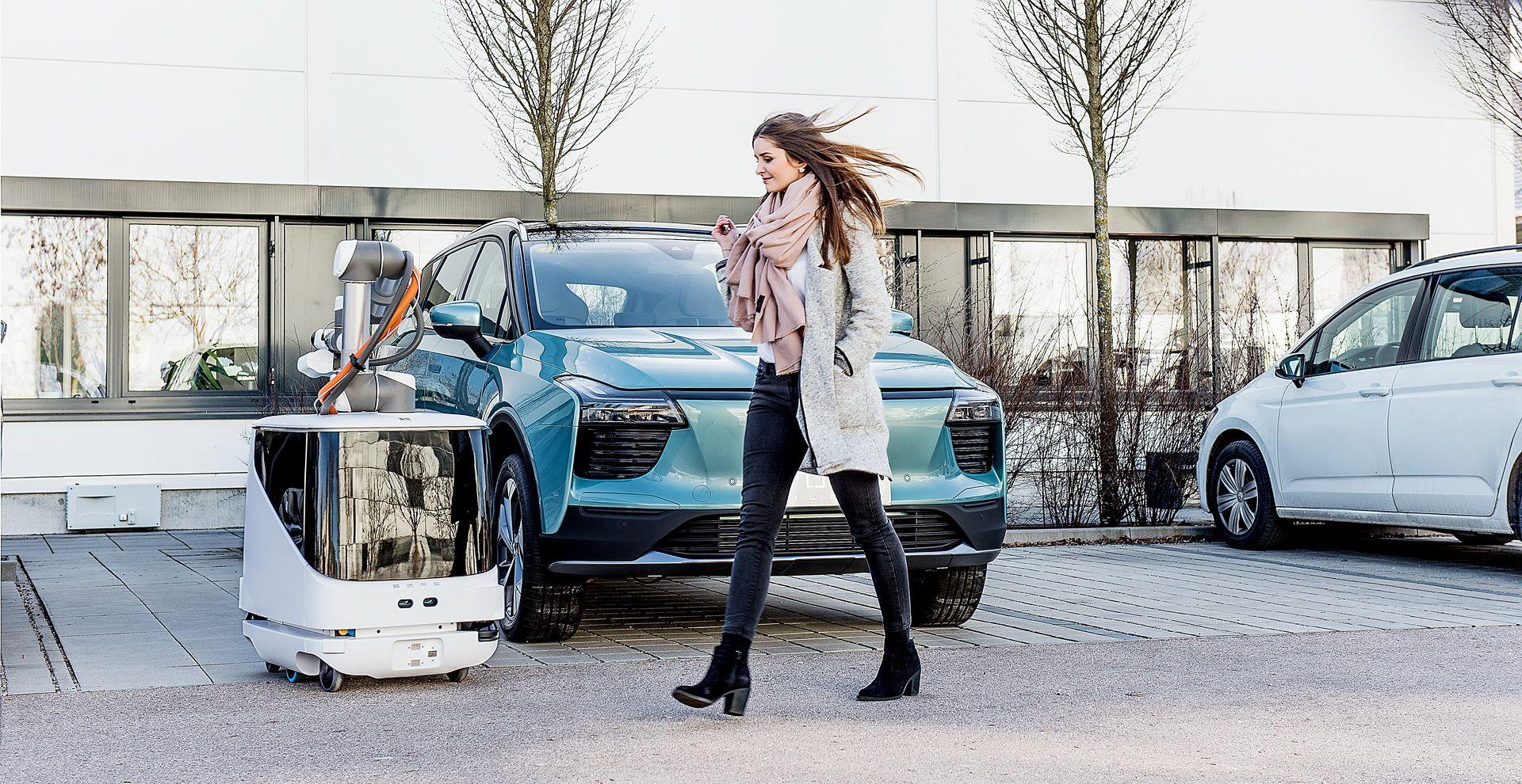 aiways-carl-autonomous-ev-charging-robot-2