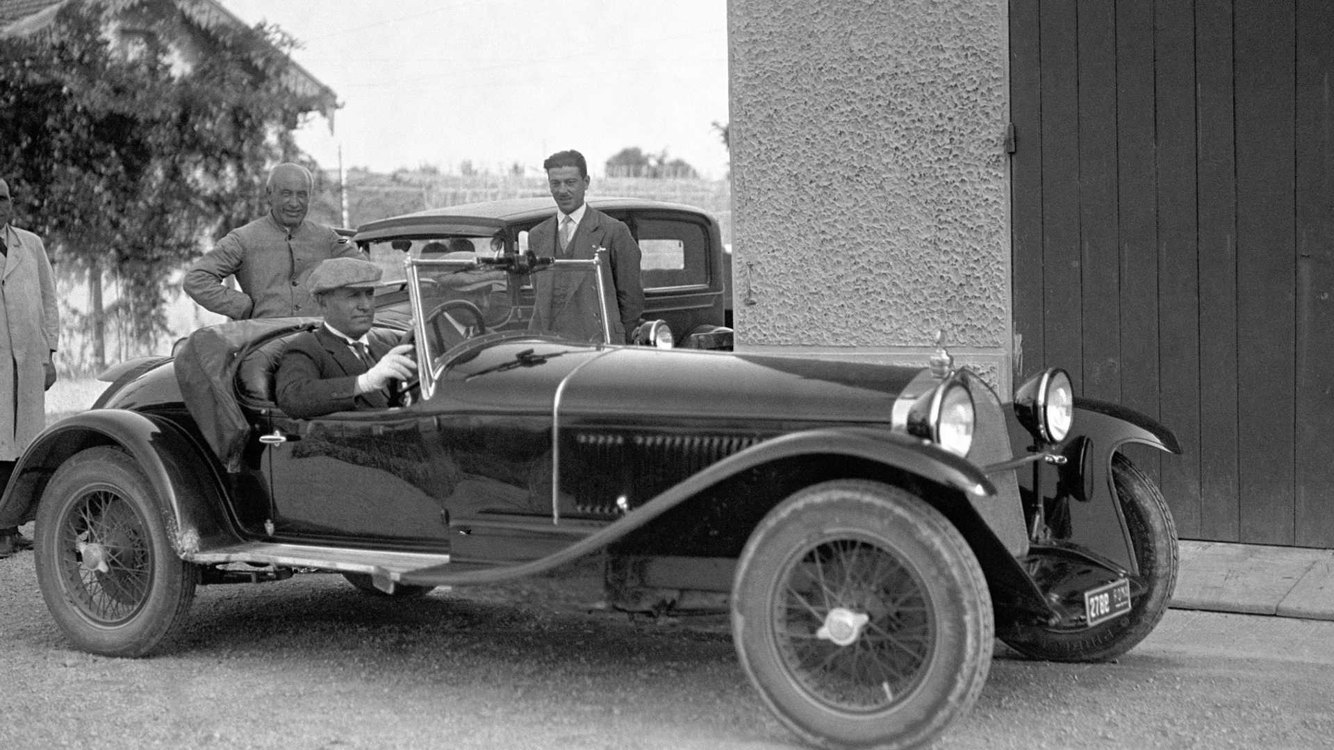 1930_Alfa_Romeo_6C_1750_-Mussolini_0003