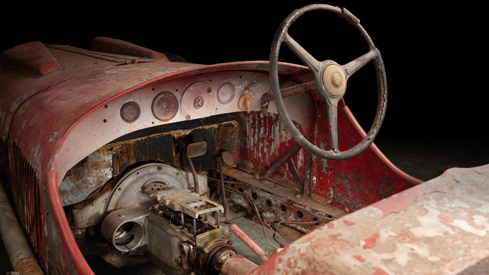 1930_Alfa_Romeo_6C_1750_-Mussolini_0004
