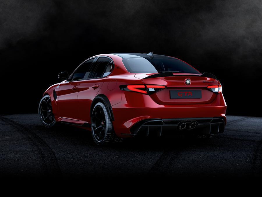 Alfa_Romeo_Giuia_GTA_GTAm_0001