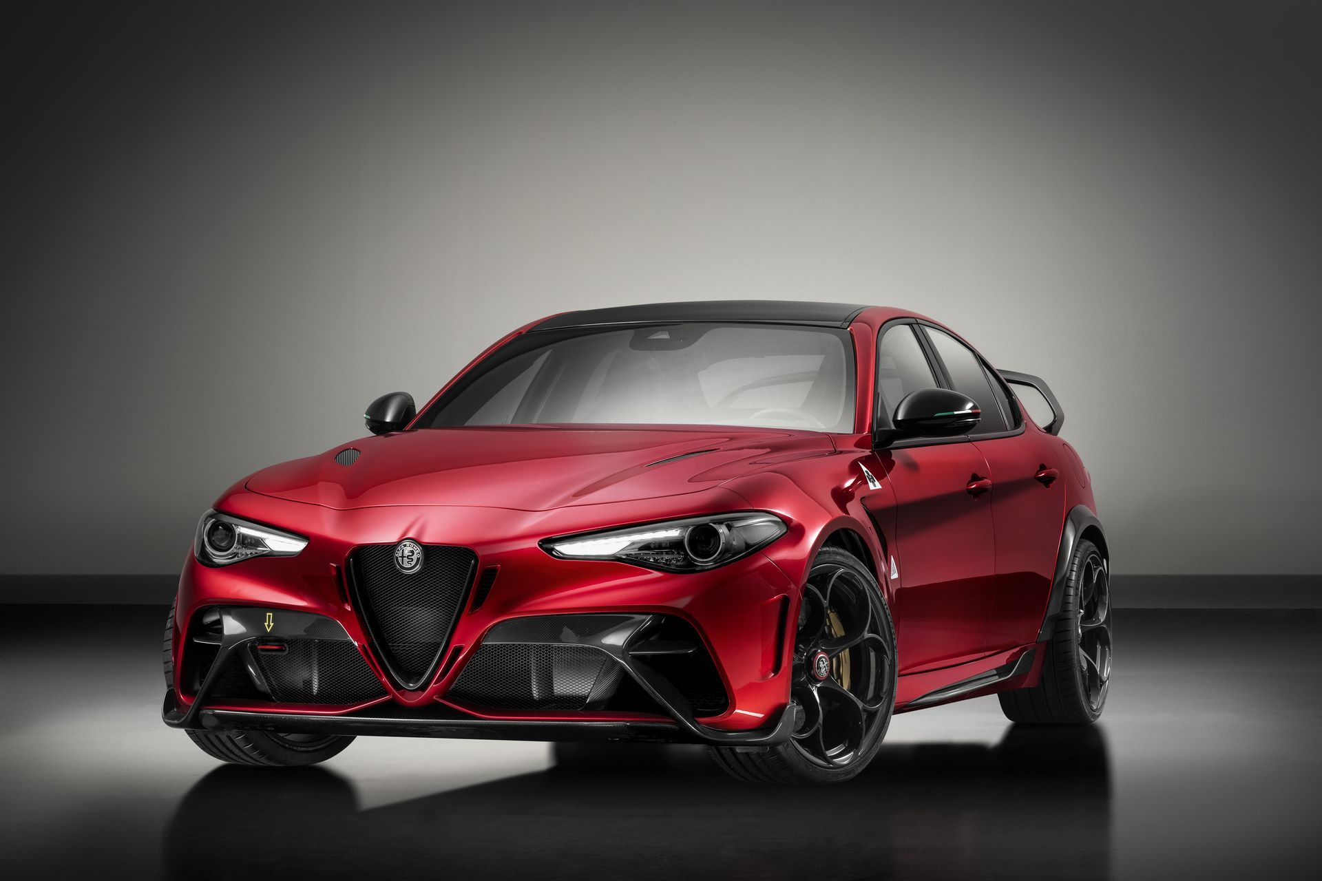 Alfa-Romeo-Giulia-GTA-and-GTAm-13