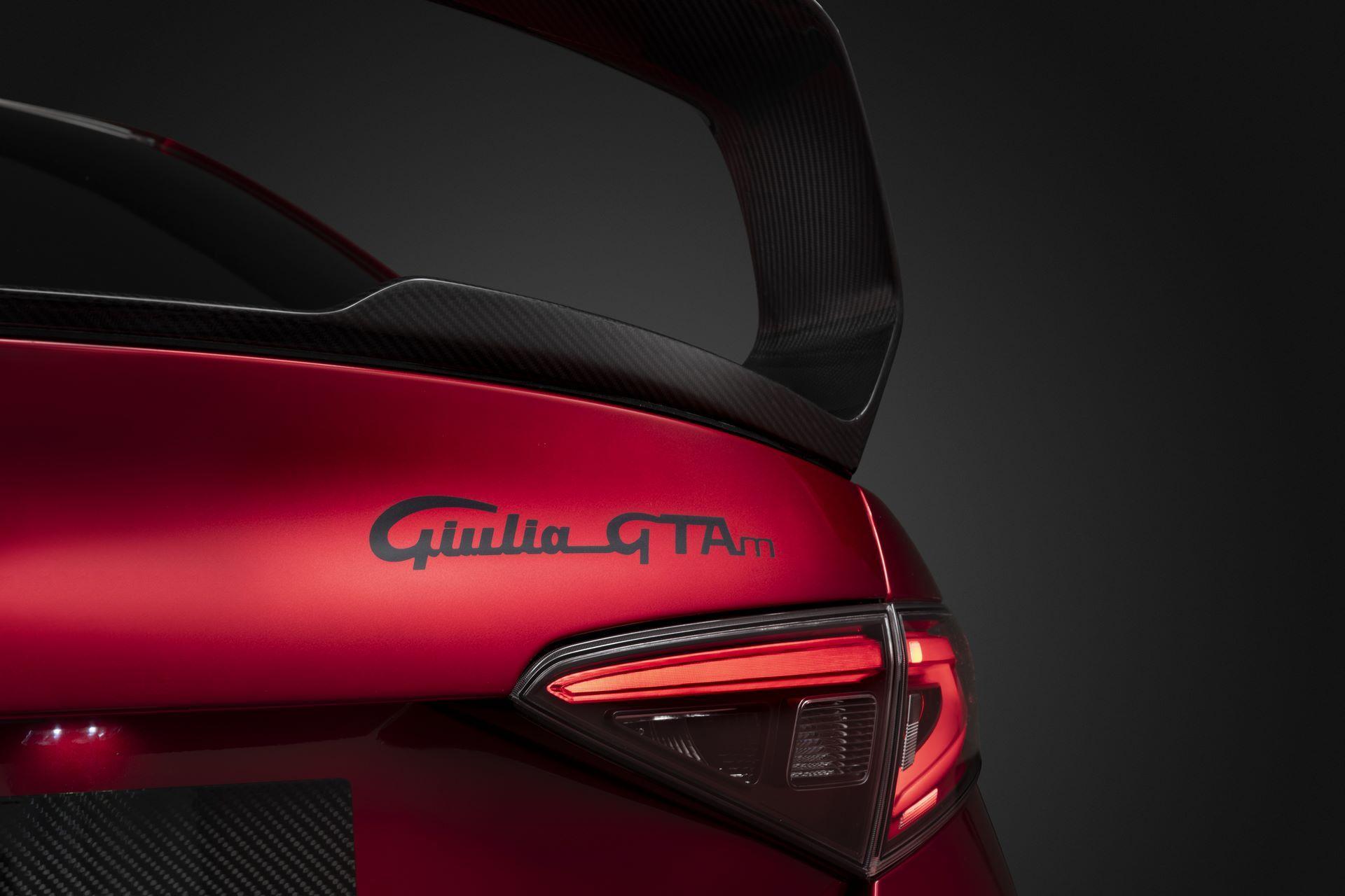 Alfa-Romeo-Giulia-GTA-and-GTAm-21