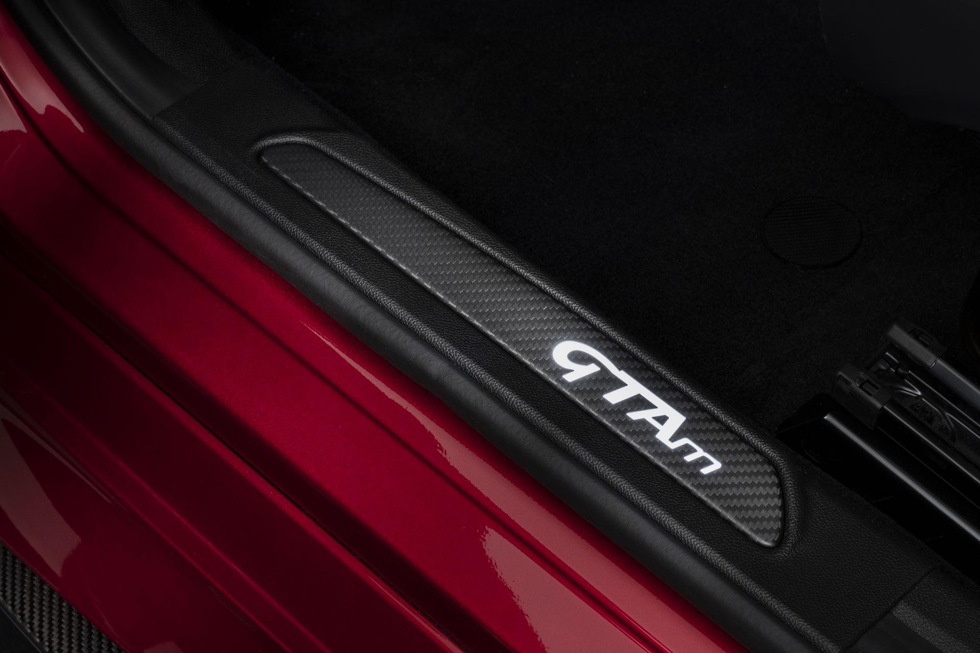 Alfa-Romeo-Giulia-GTA-and-GTAm-24
