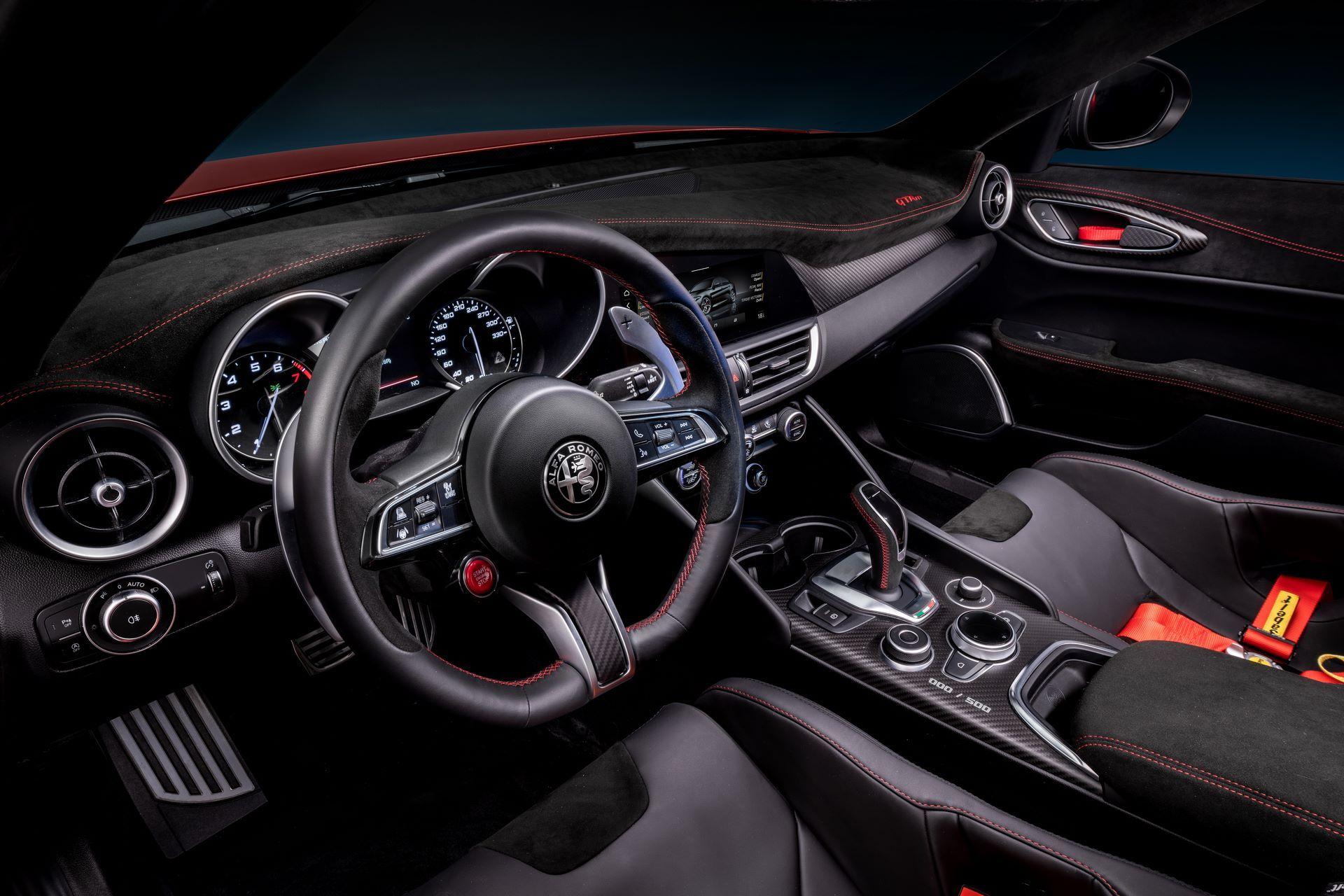 Alfa-Romeo-Giulia-GTA-and-GTAm-25