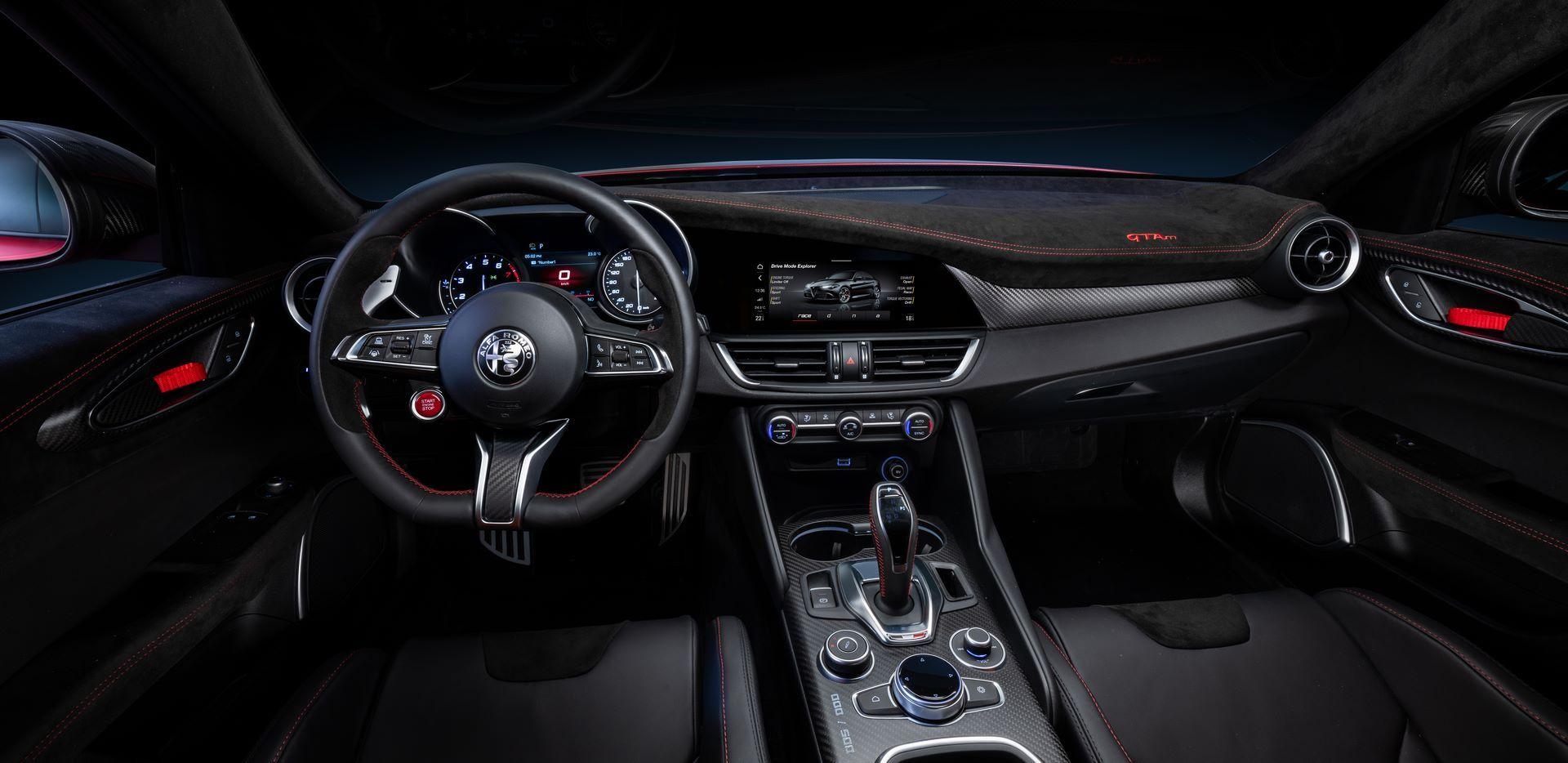 Alfa-Romeo-Giulia-GTA-and-GTAm-26