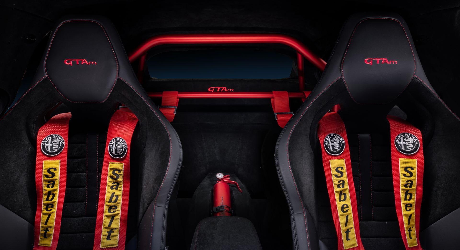 Alfa-Romeo-Giulia-GTA-and-GTAm-28