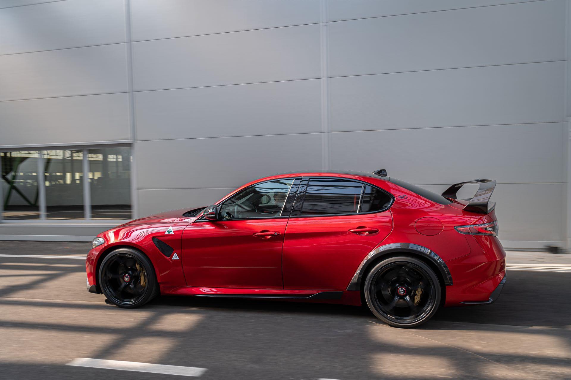 Alfa-Romeo-Giulia-GTA-and-GTAm-9