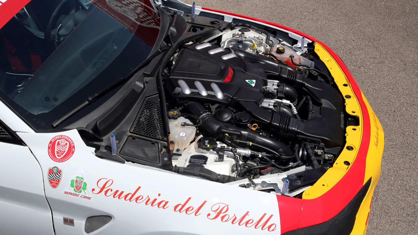 Alfa_Romeo_Giulia_Quadrifoglio_N24_0000
