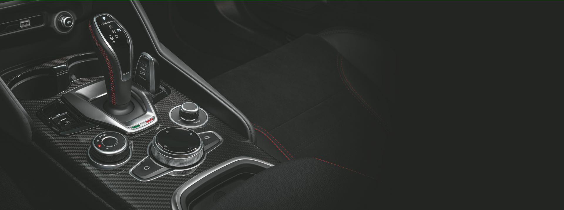 Alfa-Romeo-Giulia-Quadrifoglio-Stelvio-Quadrifoglio-facelift-2020-34