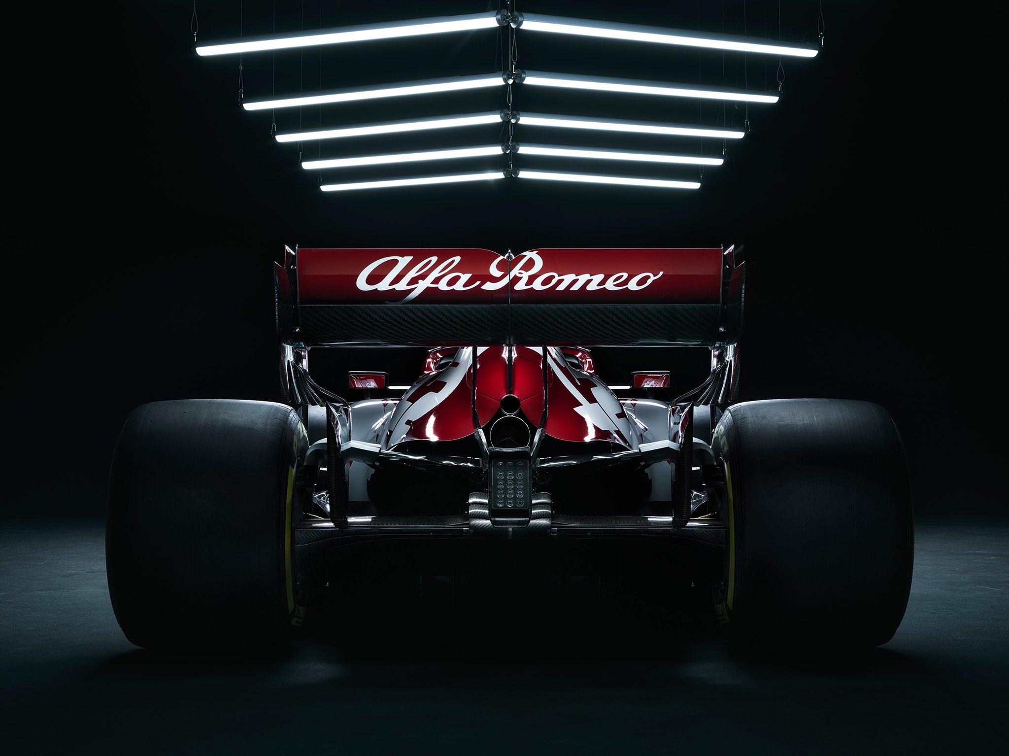 Alfa-Romeo-Racing-C39-5