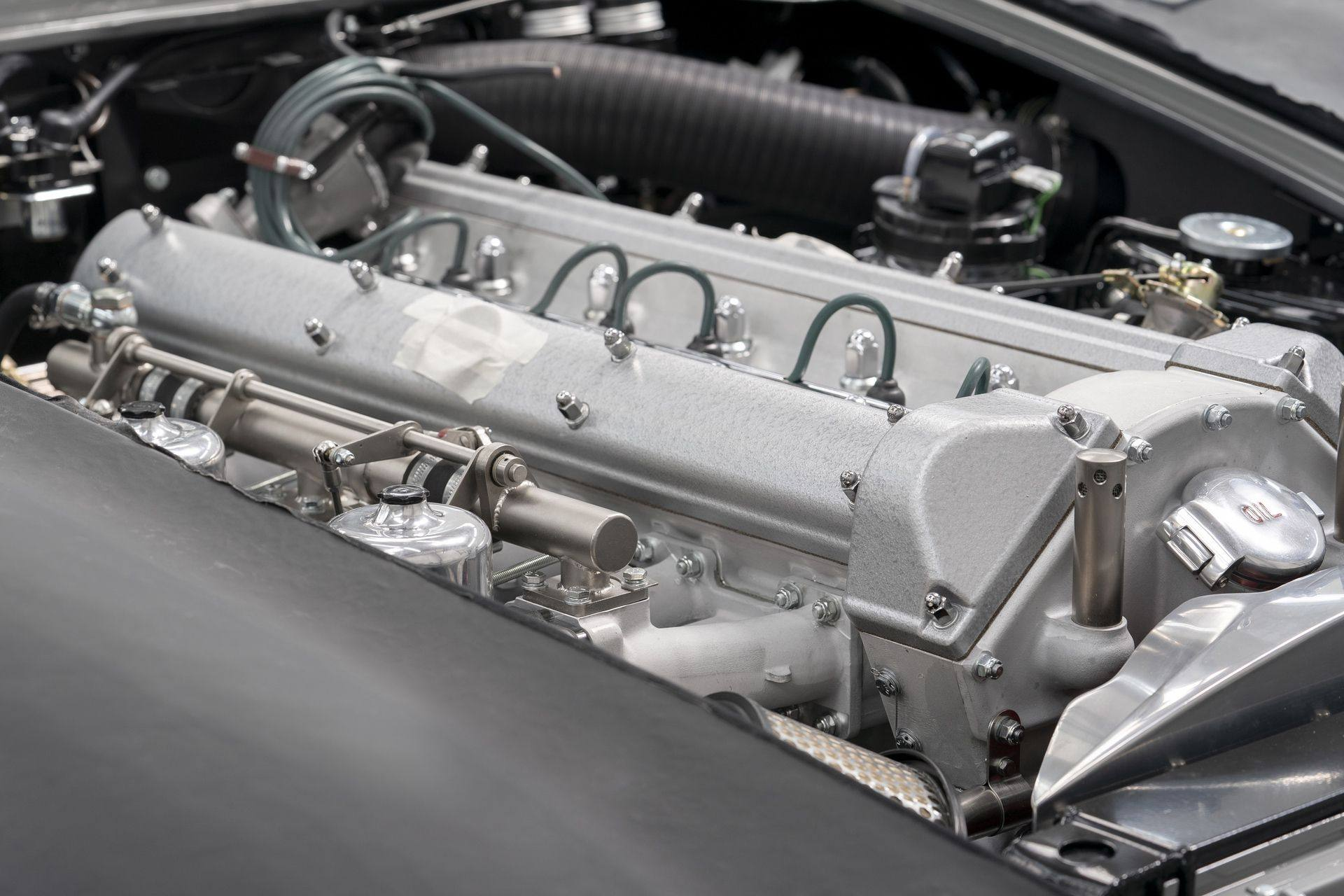 Aston-Martin-DB5-Goldfinger-Continuation_12