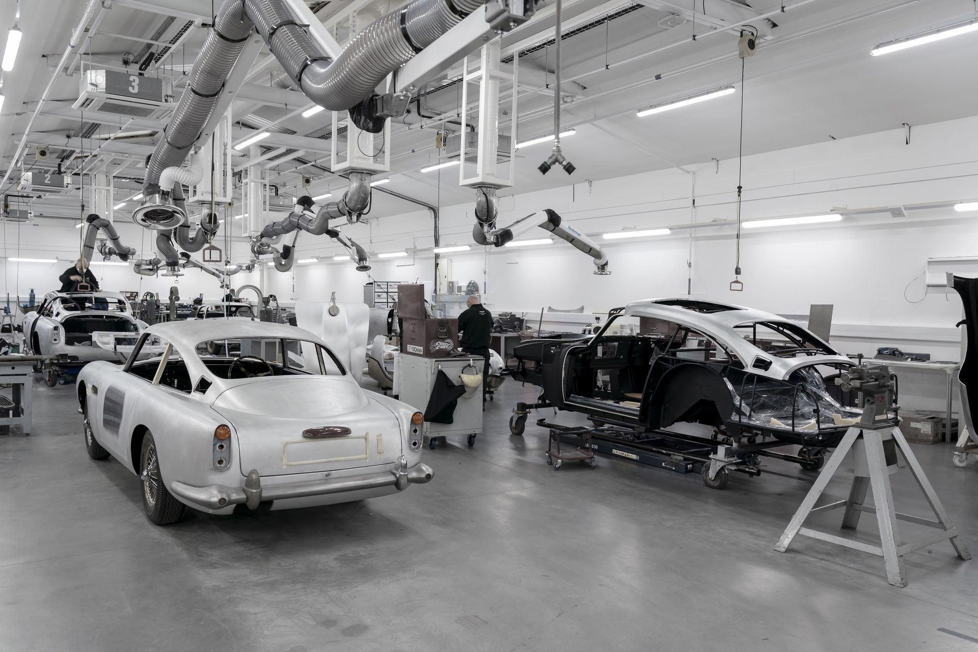 Aston-Martin-DB5-Goldfinger-Continuation_14